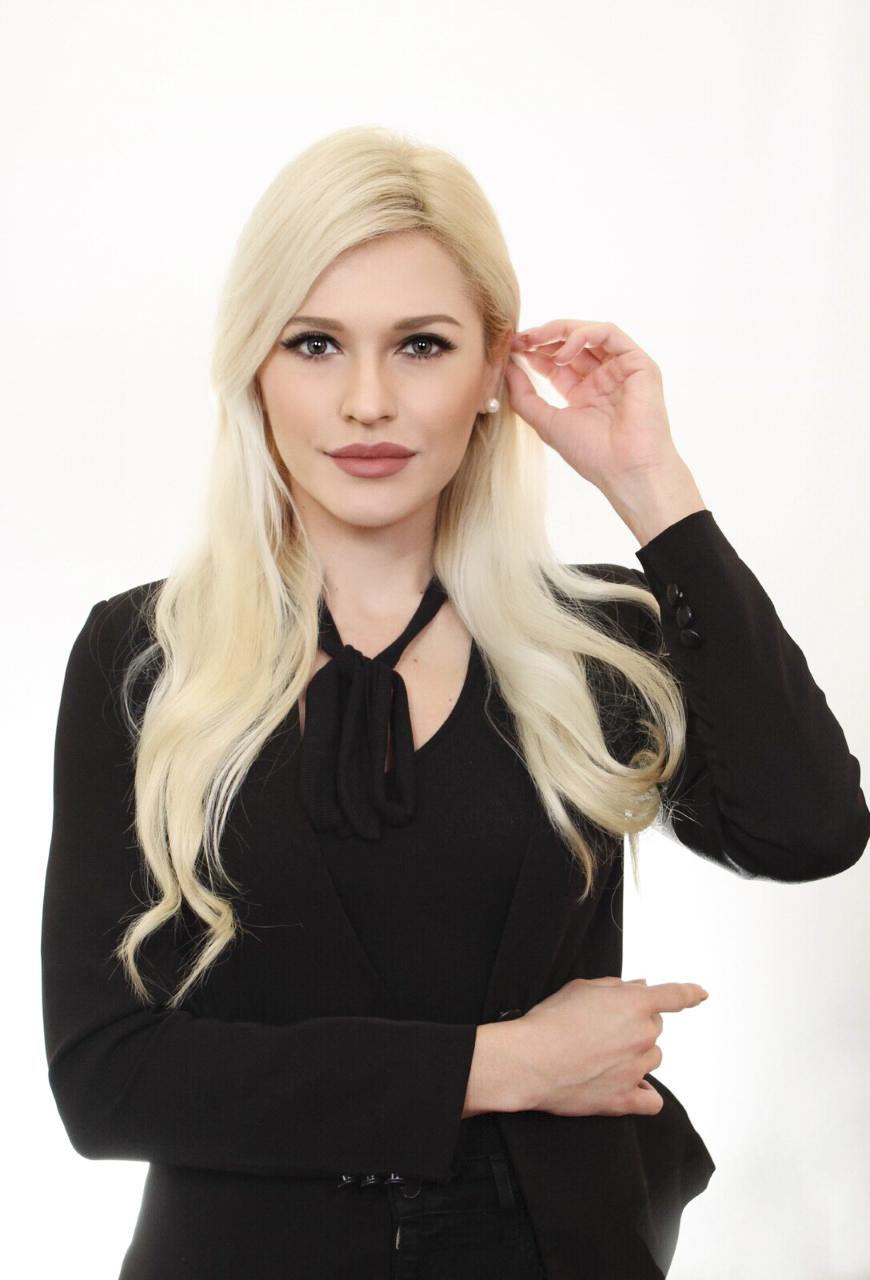 anela headshot online women biz.jpg