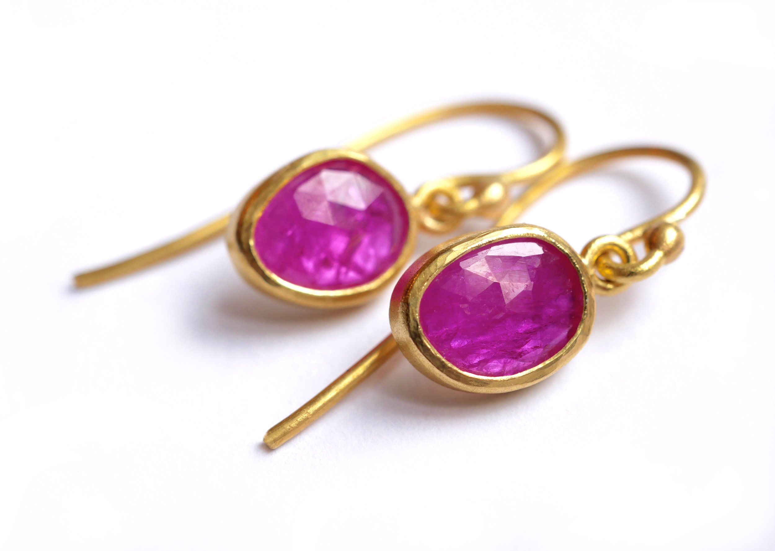 earring_pinkruby1.jpg
