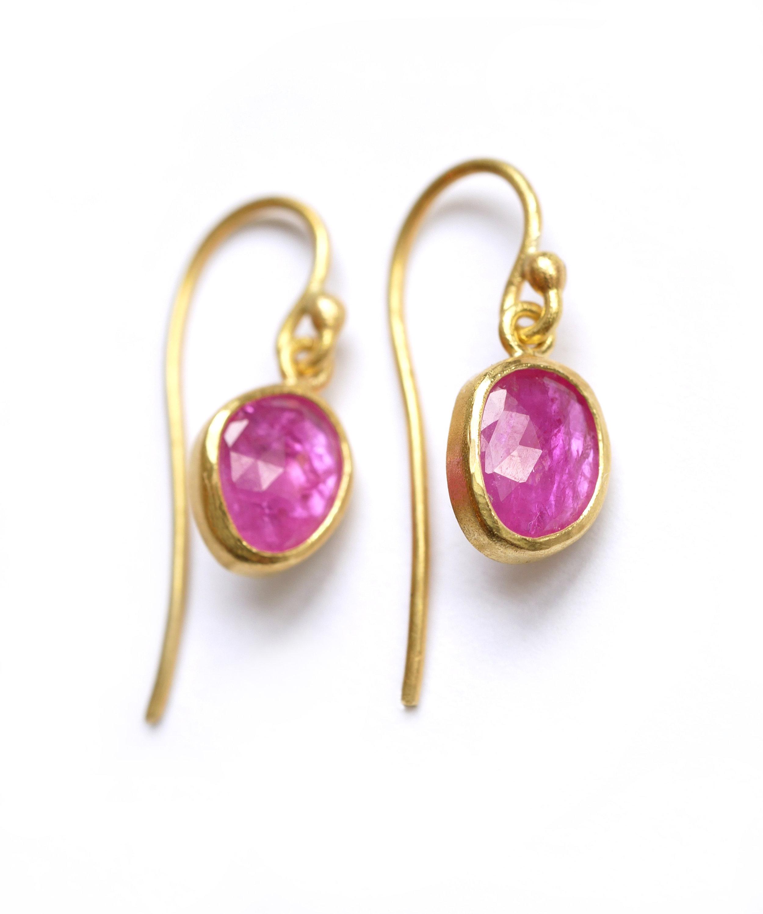 earrings_pinkruby2.jpg