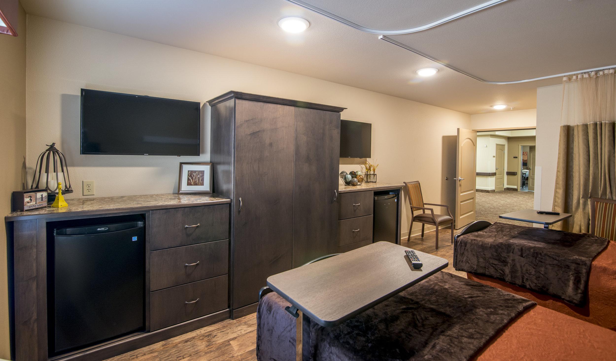 short-term-rehab-room-nursing-home-wichita-falls-texas-sheridan-medical-lodge.jpg