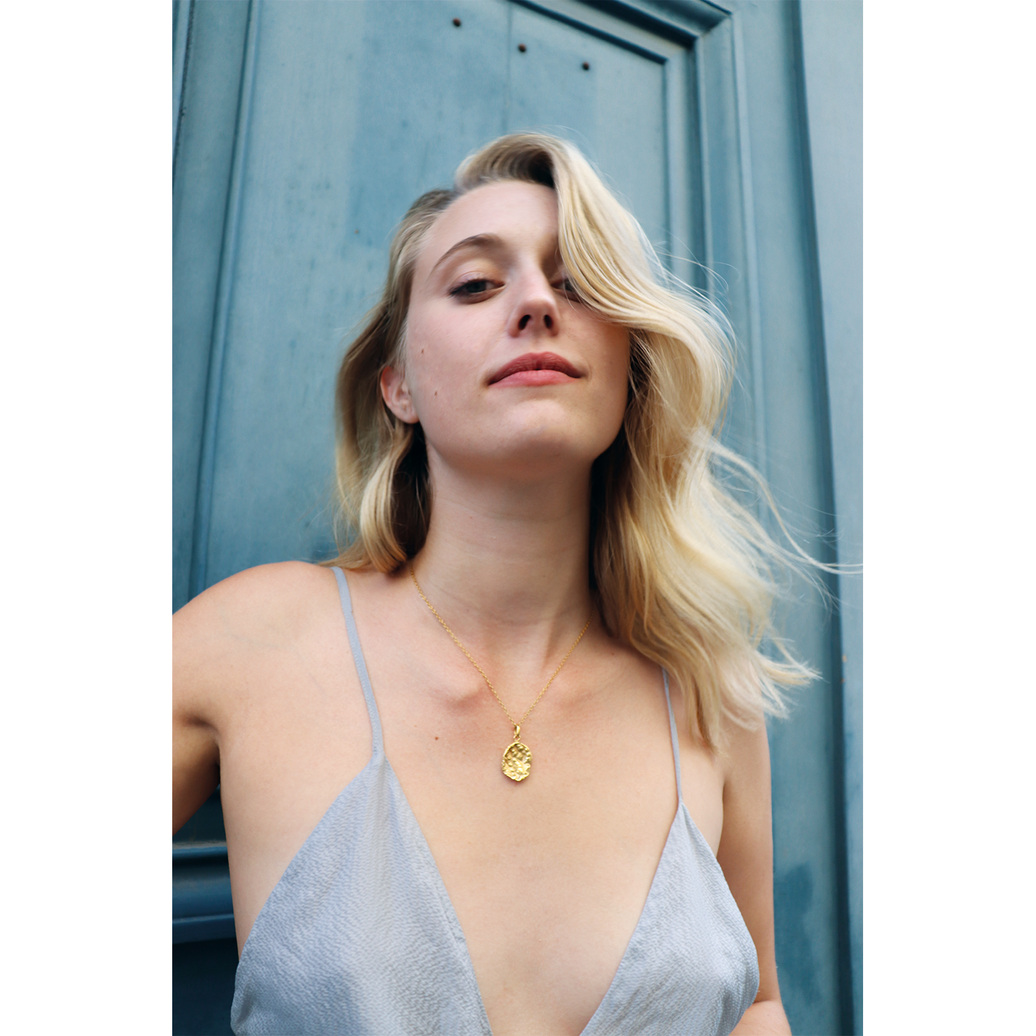 gold necklace shoot paris.png