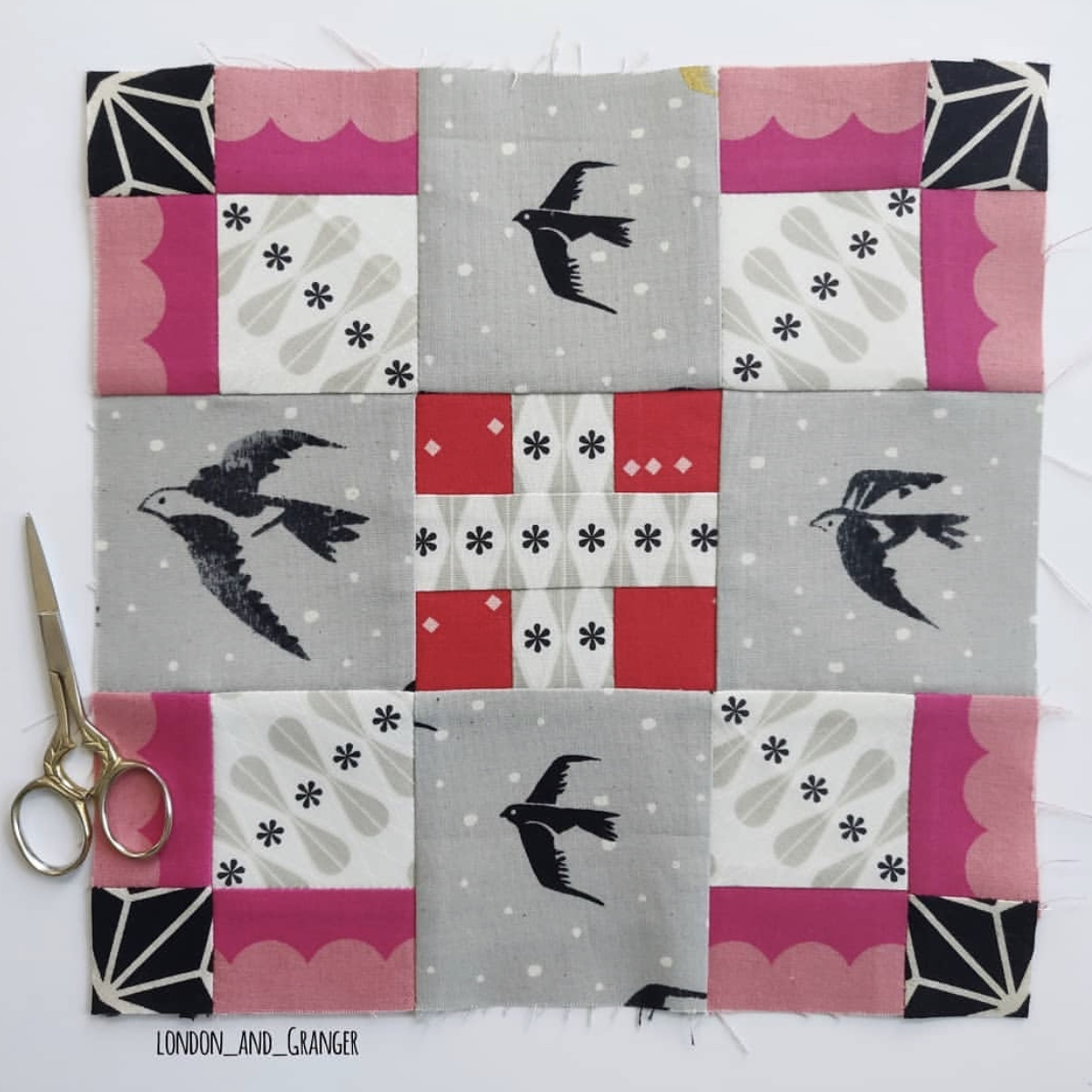 I love the movement  @london_and_granger  has created in this block. I feel like all the birds are flying together away from a snow storm.