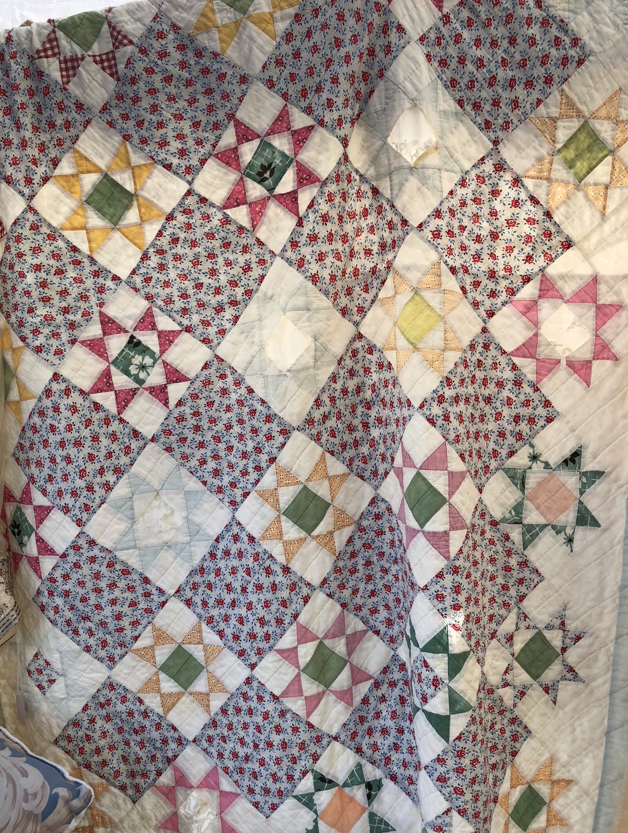 This is the original quilt that inspired Margot's quilt. I kept returning to it as something simple but striking.