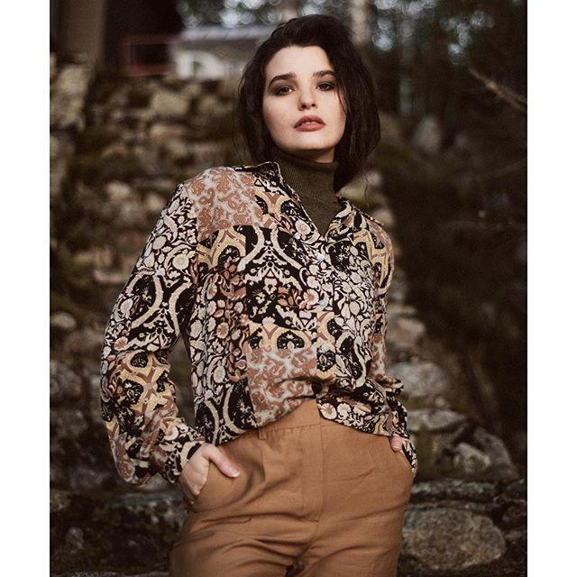 @laurencevallieres 🧡 ⠀ ⠀ ⠀ #montrealartists #nograinnoglory #fashioneditorial #photographymodel #photographymagazine #cinematic #vsco #artcontest #artofvisual #naturallightphoto #magichour #fisheyelemag #digitalart #editorialshoot #portraits_ig #fashionootd #artphoto #creative_instaarts #creatmood #magnificomagazine #artclassified #specialnite #afilmcosmos #nowherediary