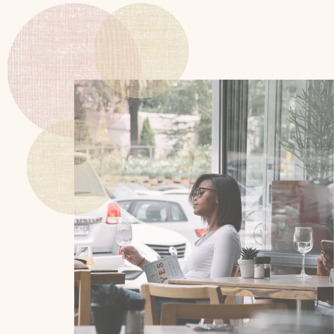 Female creative entrepreneurs and small business owners, want a behind the scenes look at my Squarespace web design business? In honor of my one-year anniversary, I'm kicking off a new monthly series: My online business month in review. Discover what I learn every month as a Squarespace web designer girl boss!
