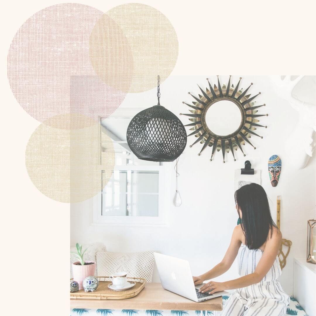 Small business owners and creative entrepreneurs, are wondering what the difference is between Squarespace, WordPress, and WiX? If you're wondering why I use Squarespace to help women owned businesses, boss babes, and girl bosses just like you, check out this post!
