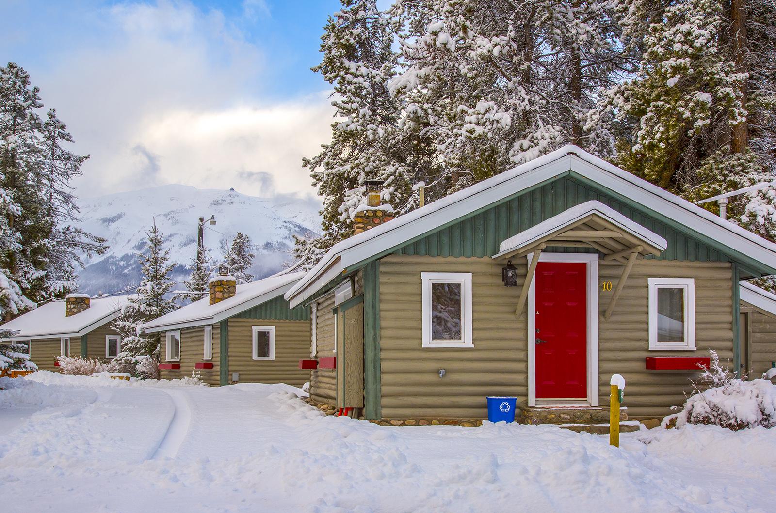 Cabin 10.jpg