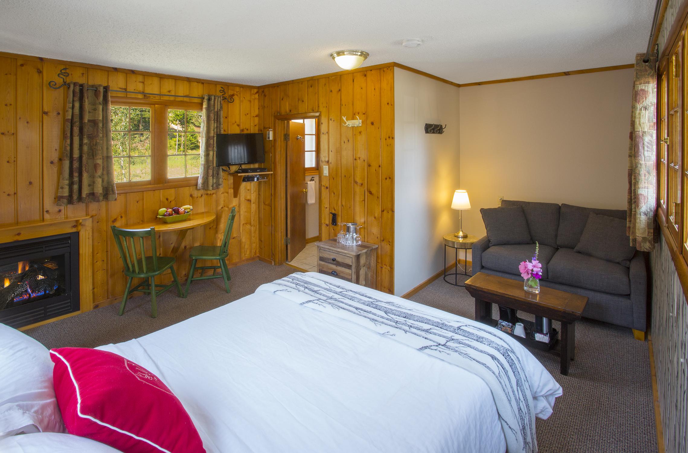 Forest Cottage 16b LR.jpg