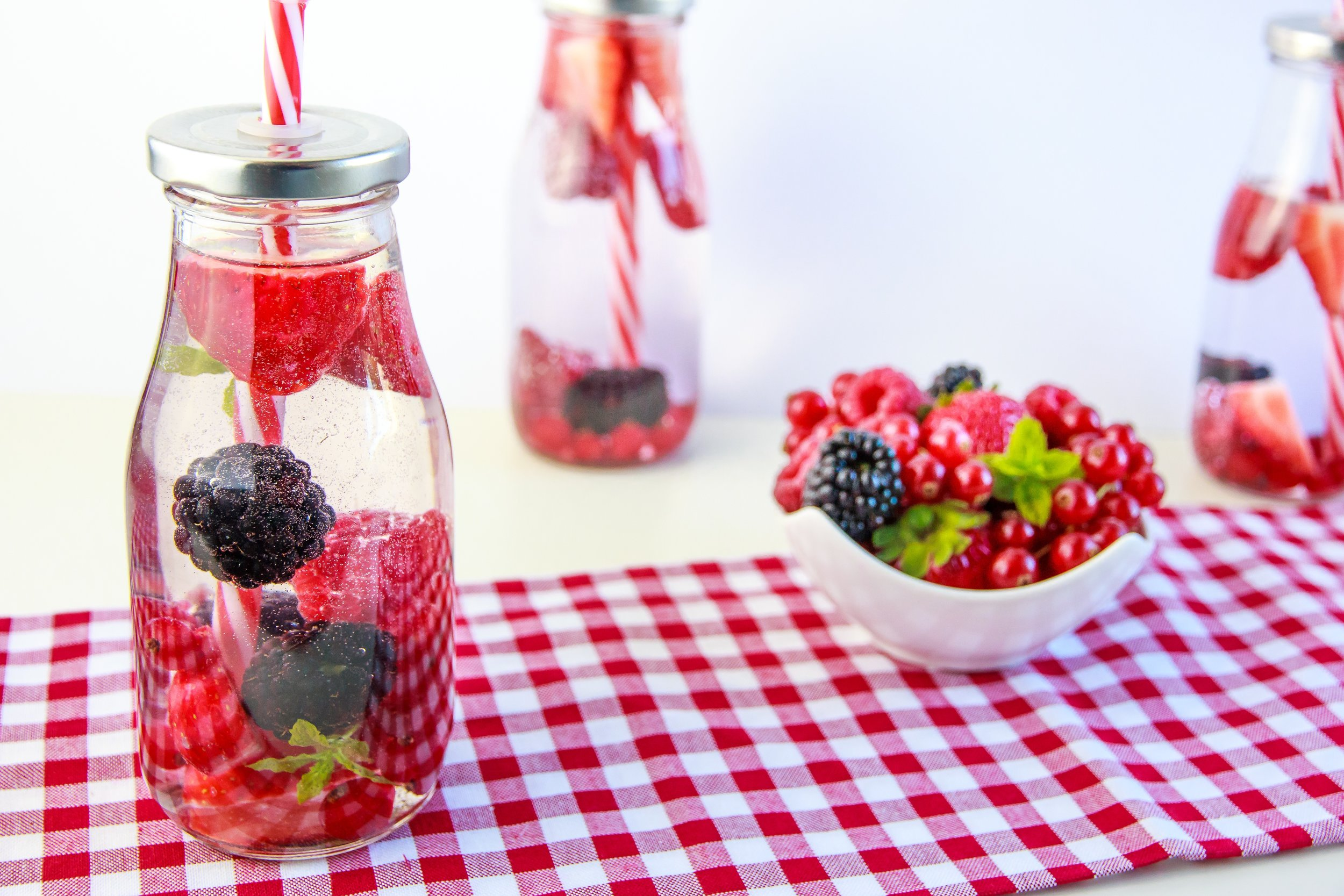 berries-erfrischungsgetrank-drink-healthy-162841.jpeg