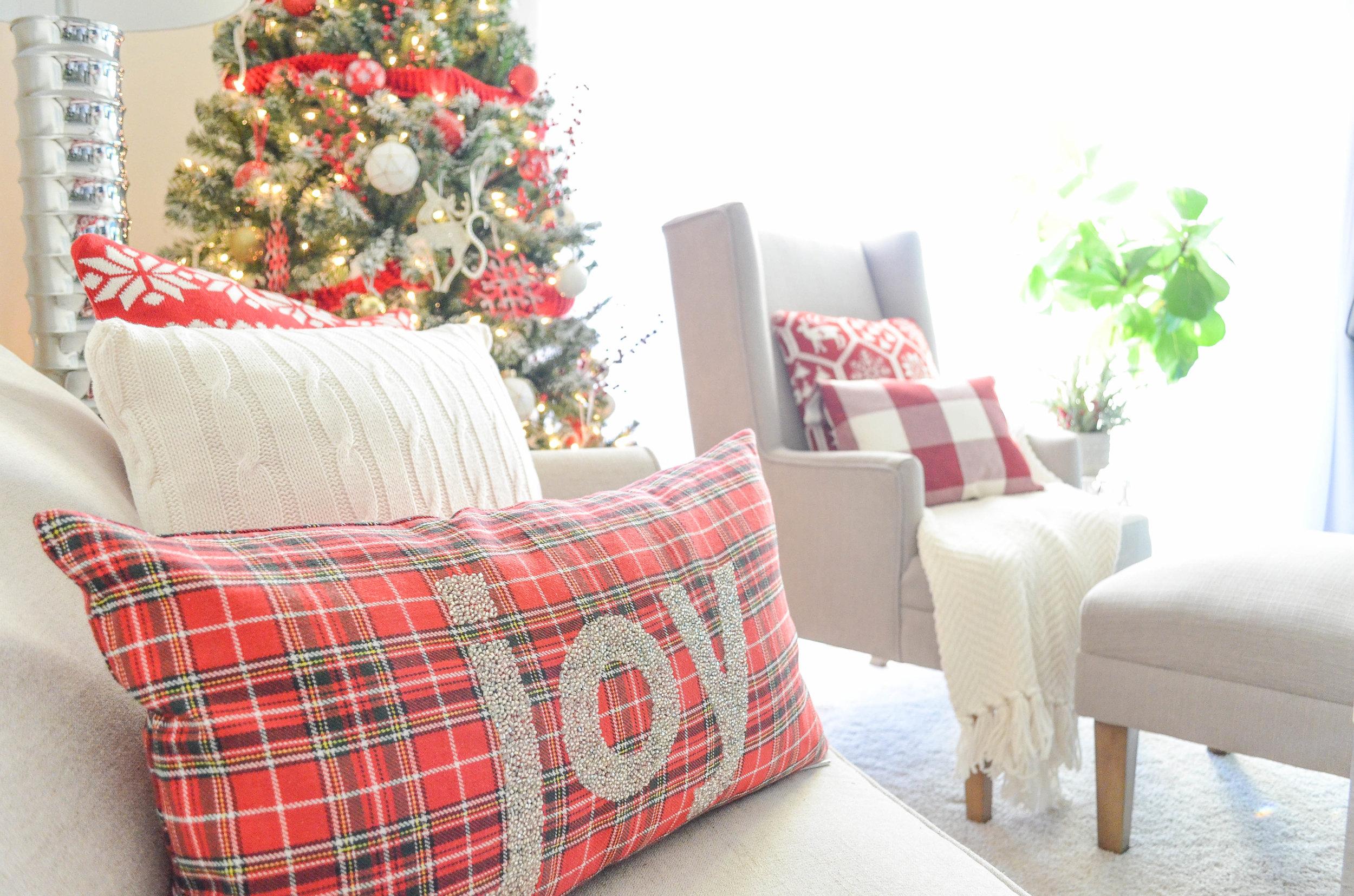 Cozy Christmas Decor-40.jpg