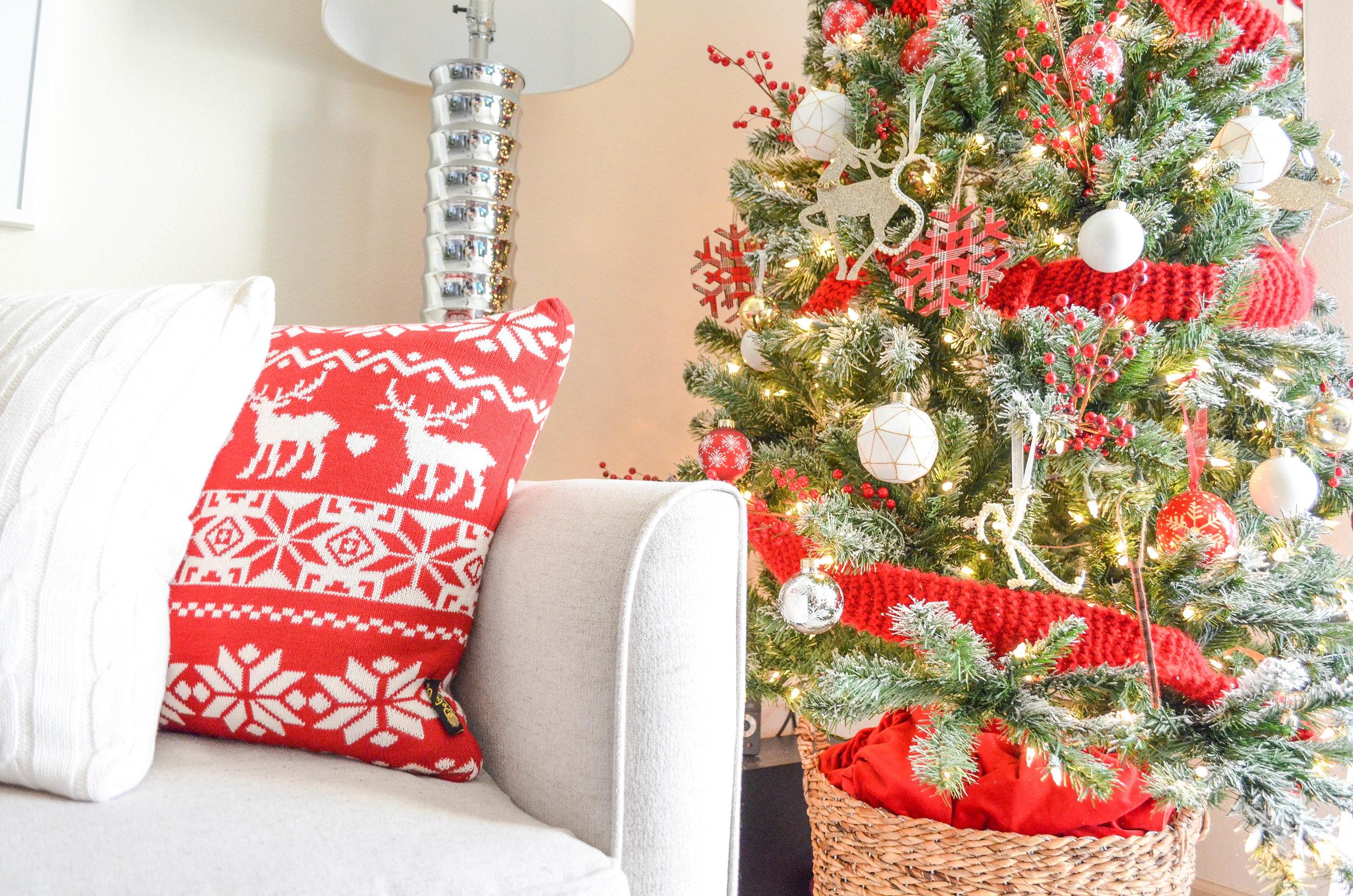 Cozy Christmas Decor-18.jpg