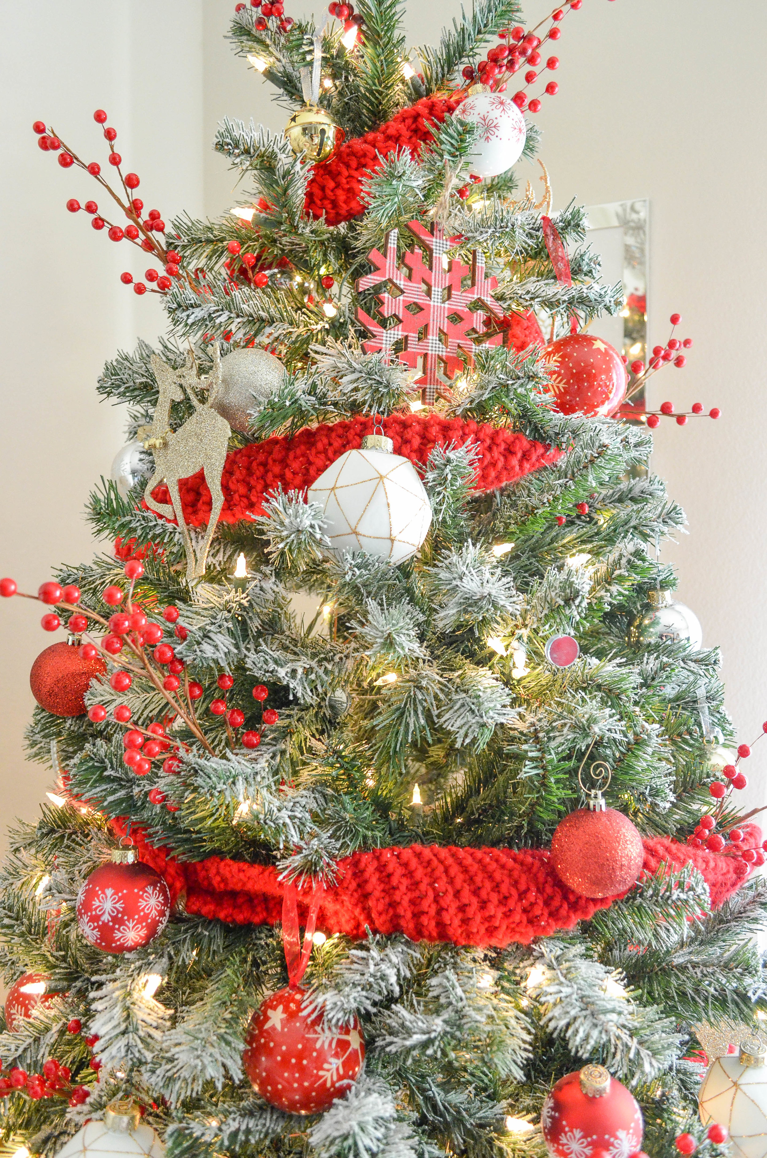 Cozy Christmas Decor-35.jpg