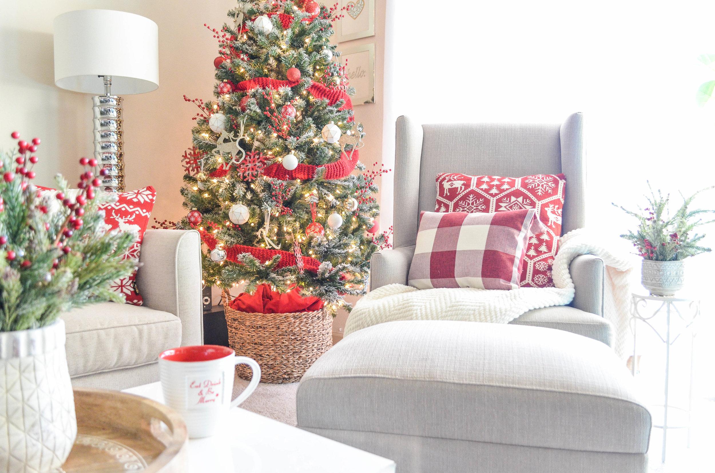 Cozy Christmas Decor-1.jpg