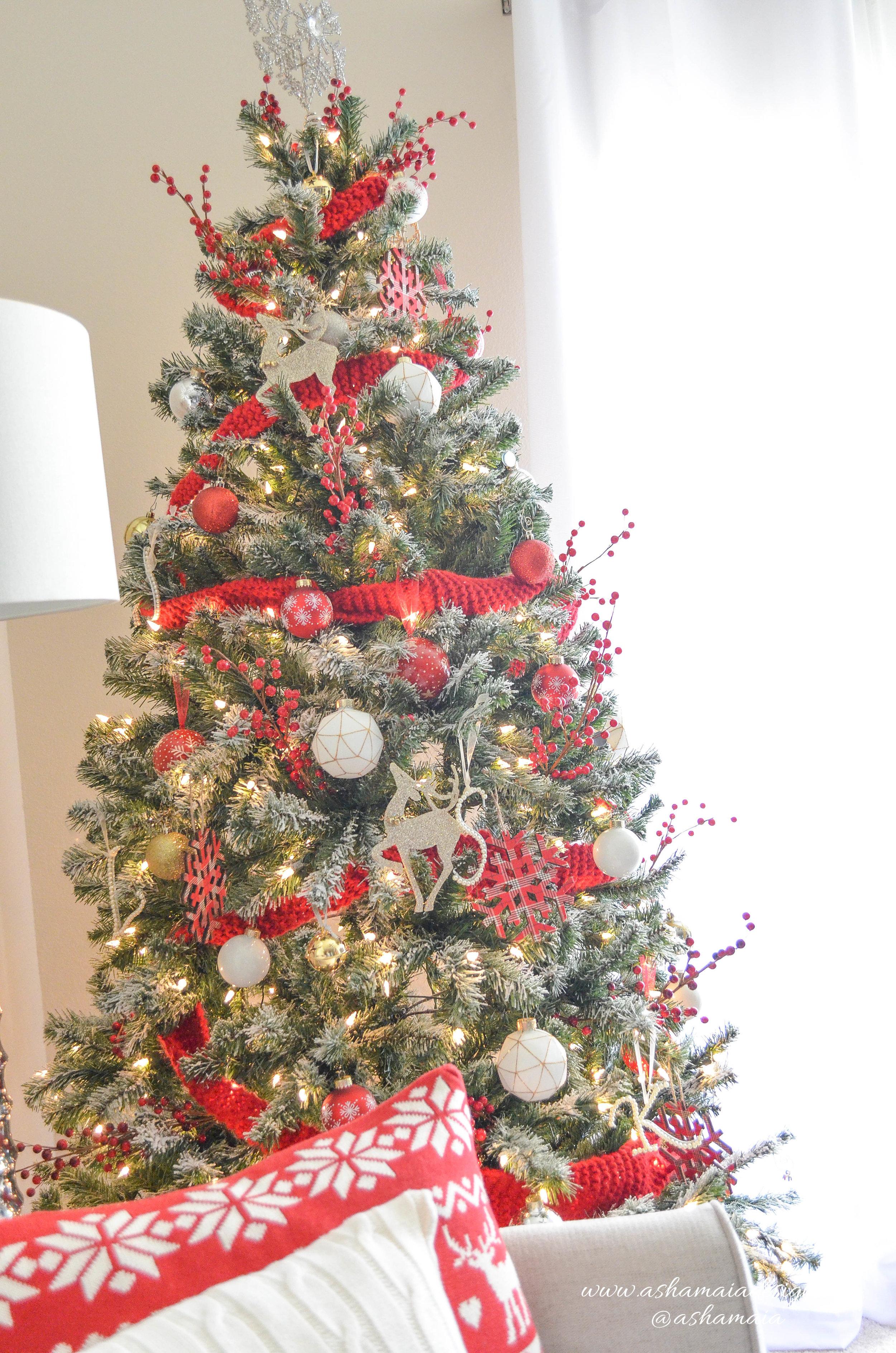 Cozy Christmas Decor-21.jpg