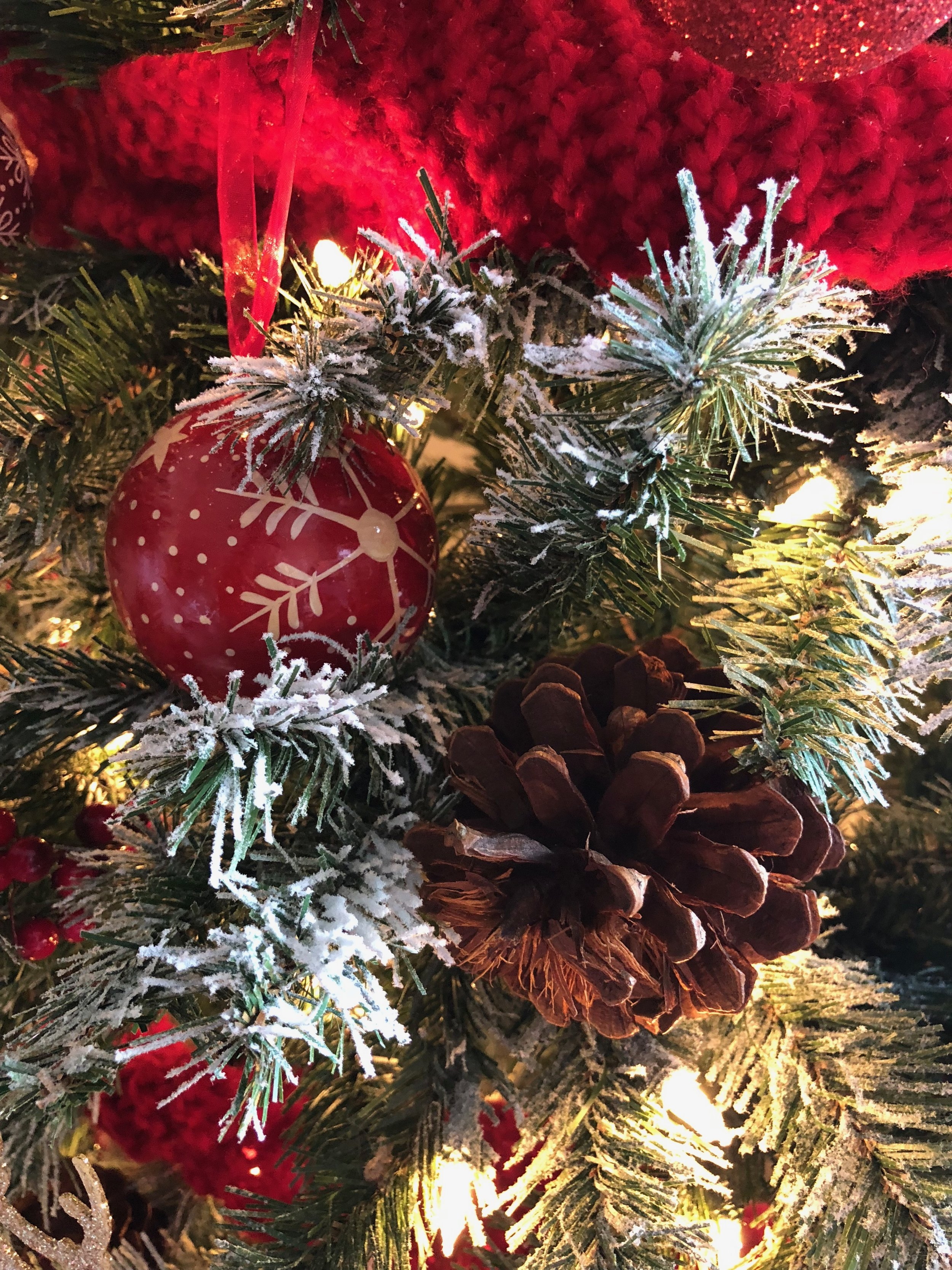 Christmas Tree Decorator Asha-Maia Design
