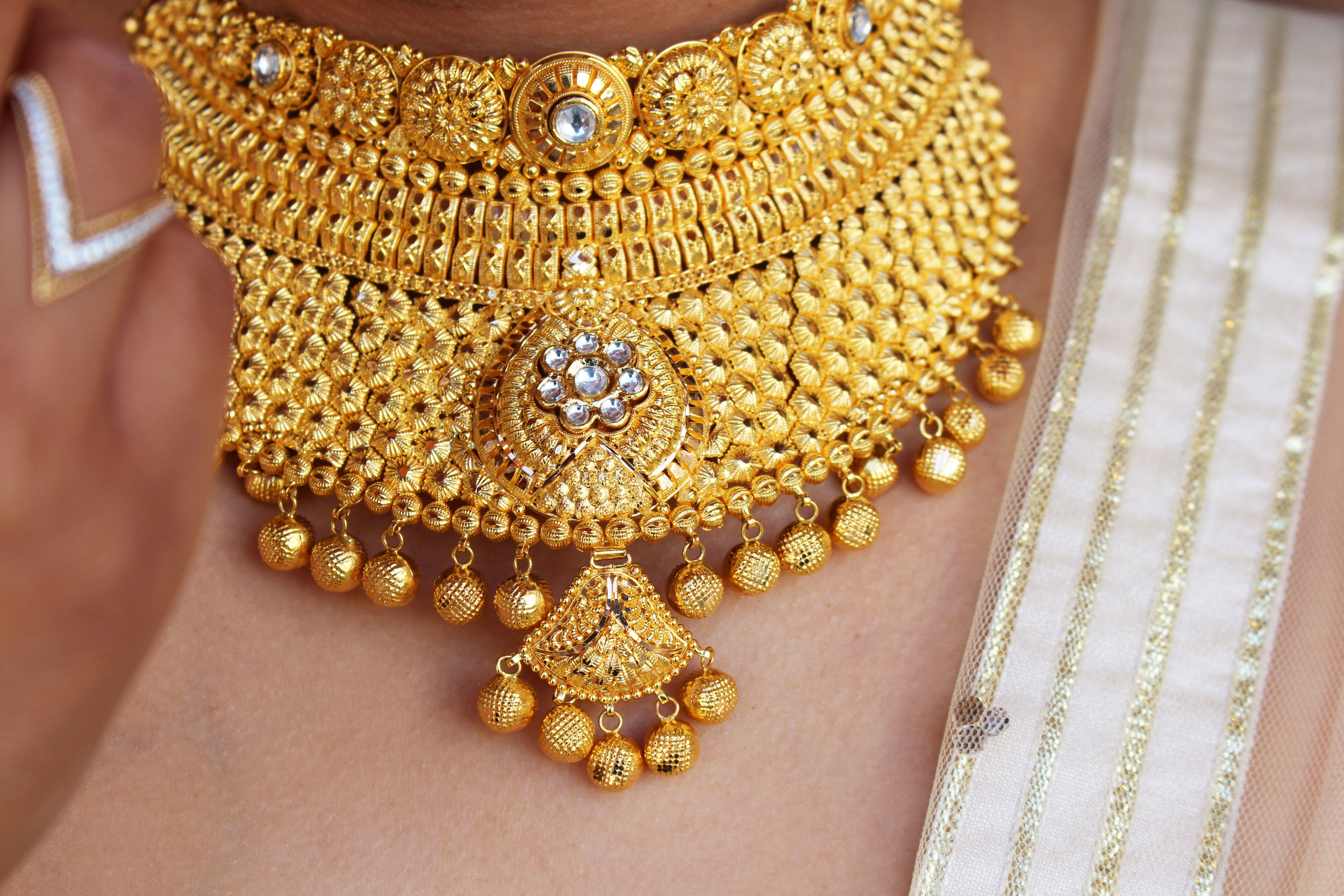 Bridal Choker Necklace.jpg