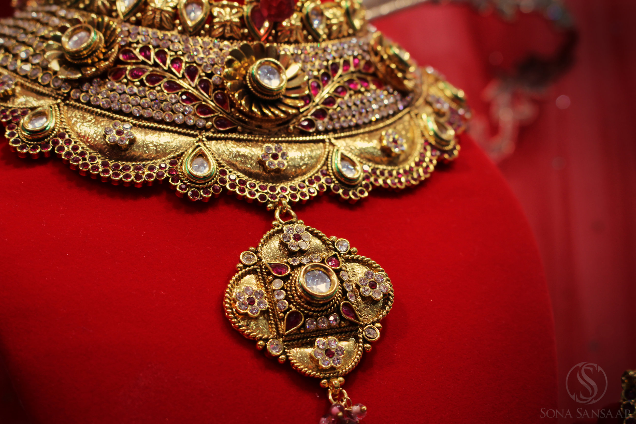 Cosmetic Bridal Necklace
