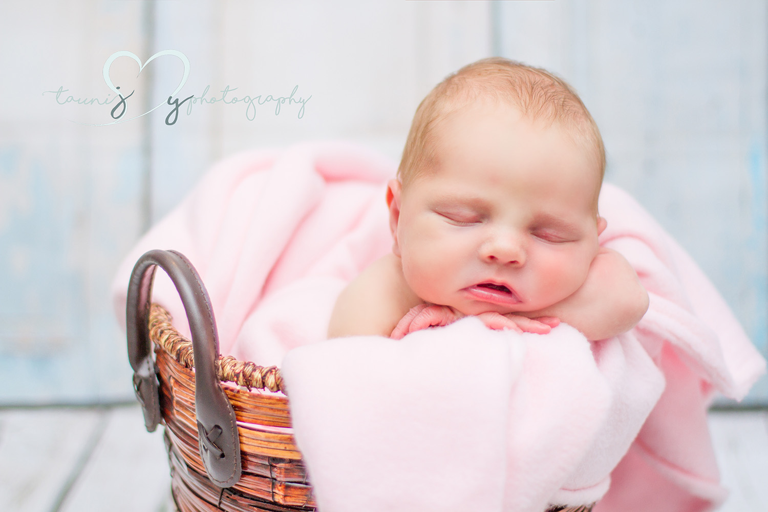 cedar park newborn photographer