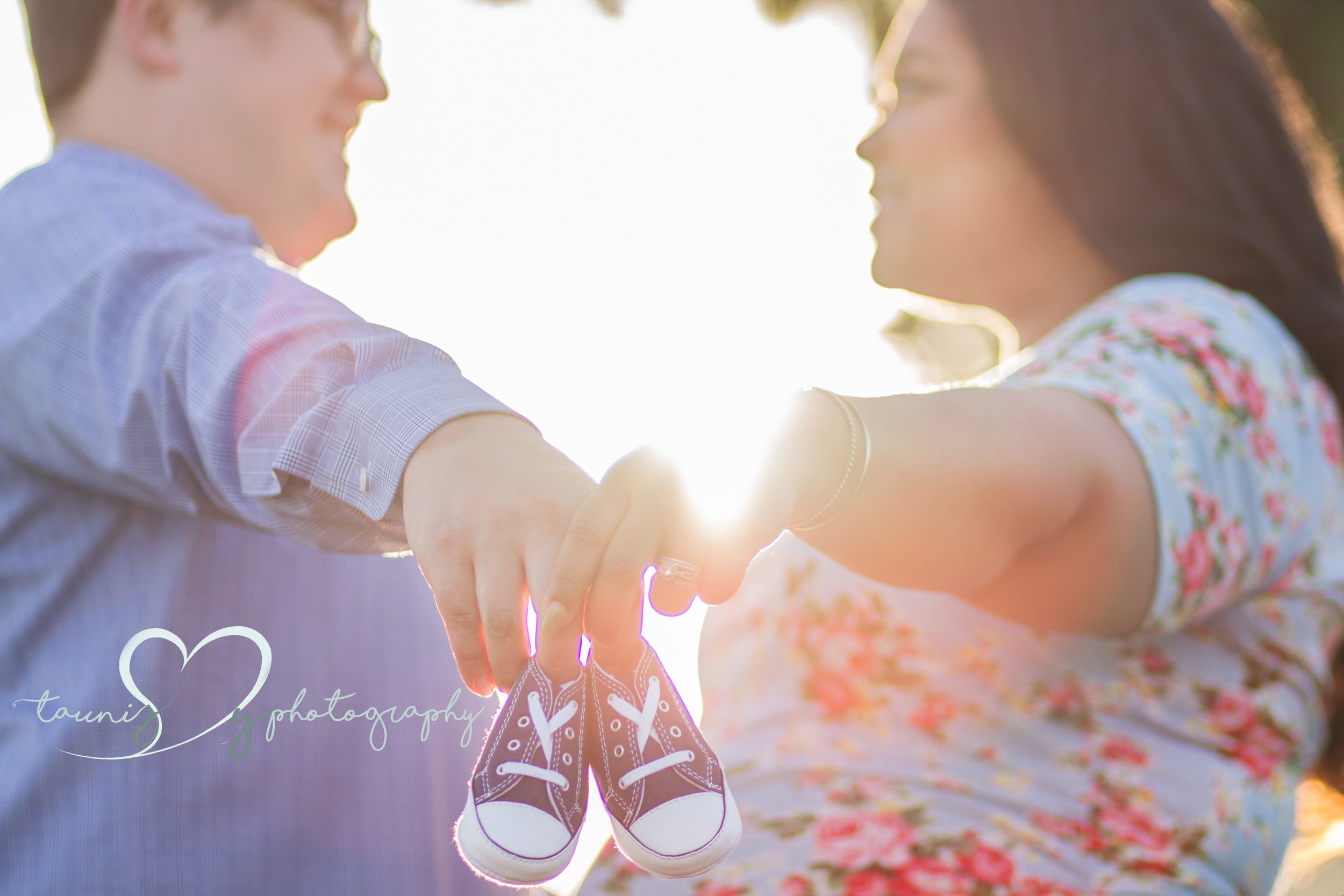 I love little baby announcements , and whats cuter than baby converse !