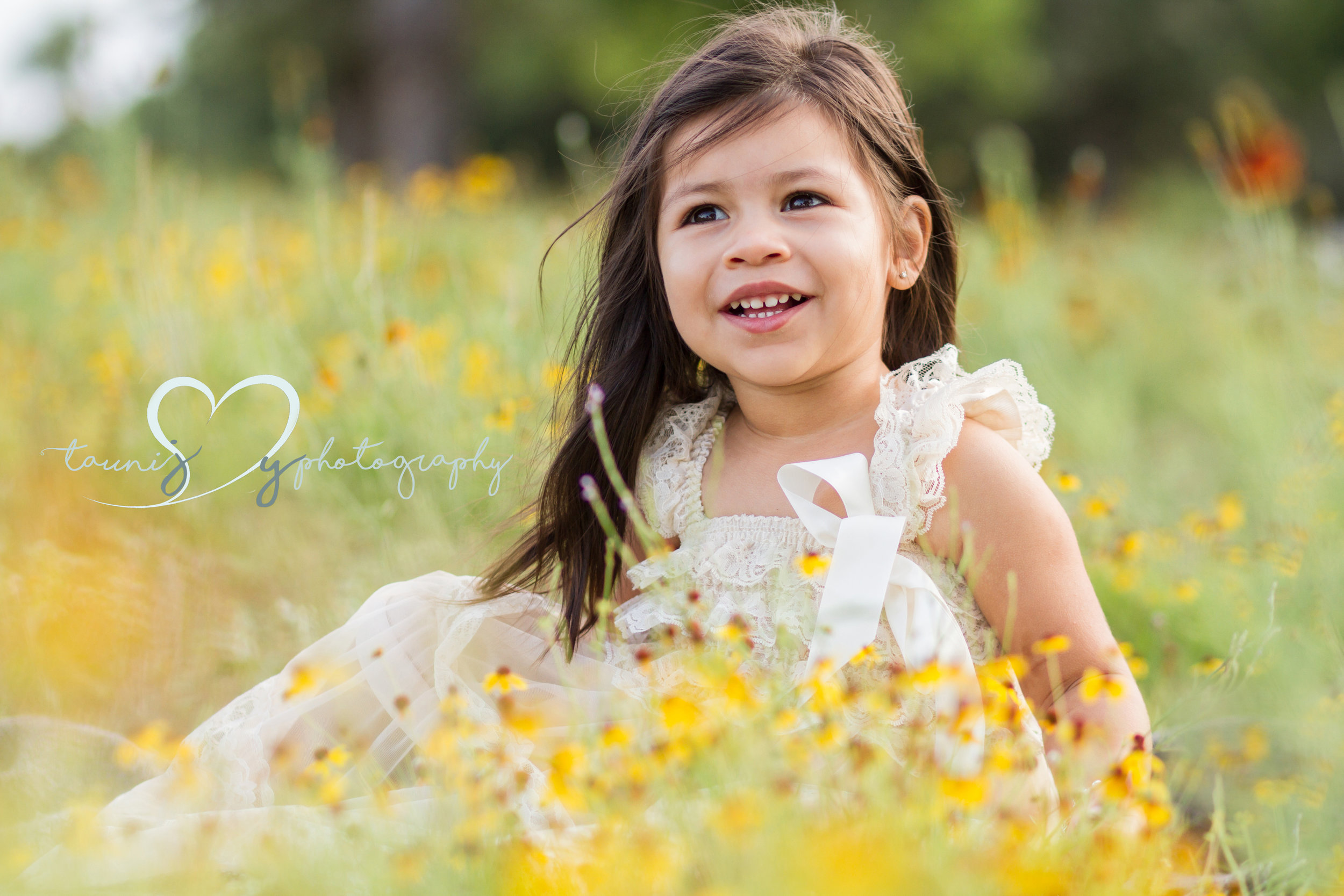 toddler photographer  Tauni Joy Photography