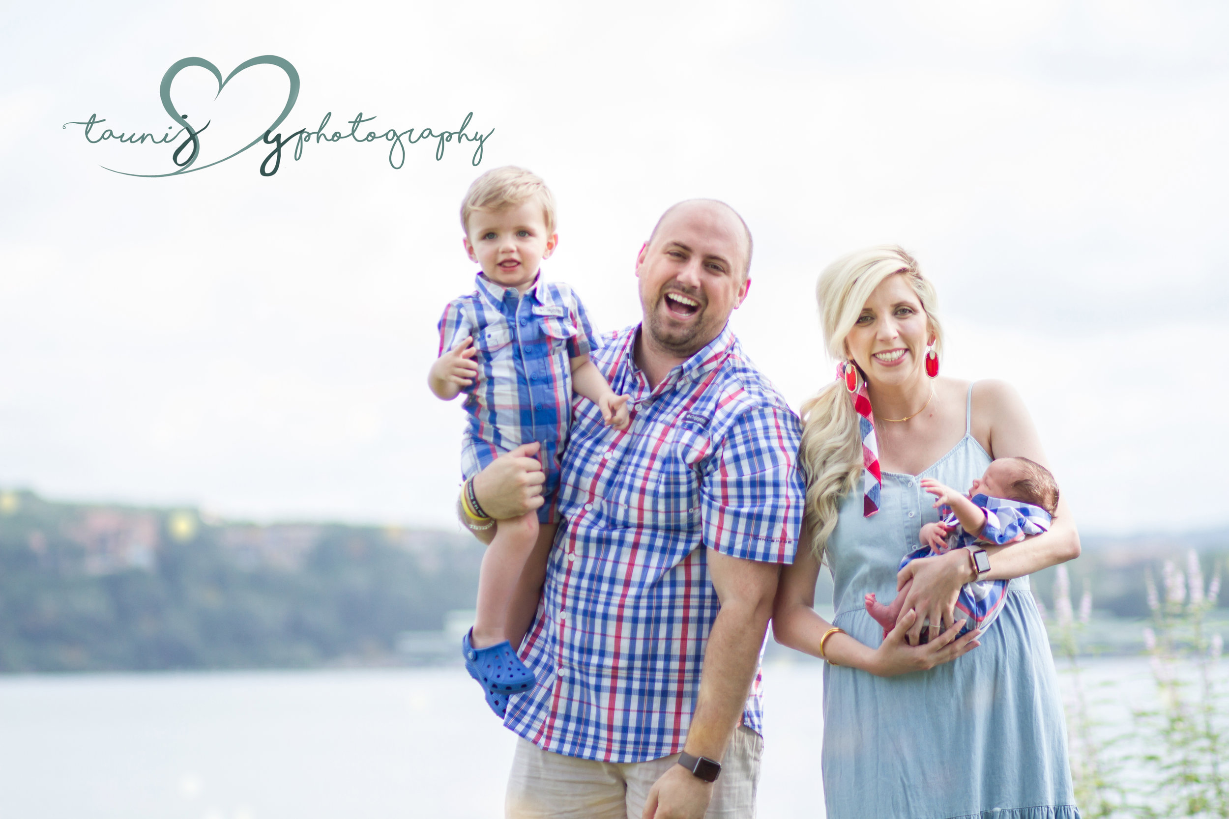 Lakeway family photographer Tauni Joy Photography
