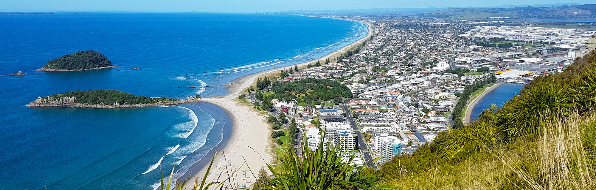 The Bay of Plenty has the best beaches in NZ.Withperfectwhitesand andcrystalblue waters, youwon'tfind a better place to swim, surf, sunbathe and socialise.