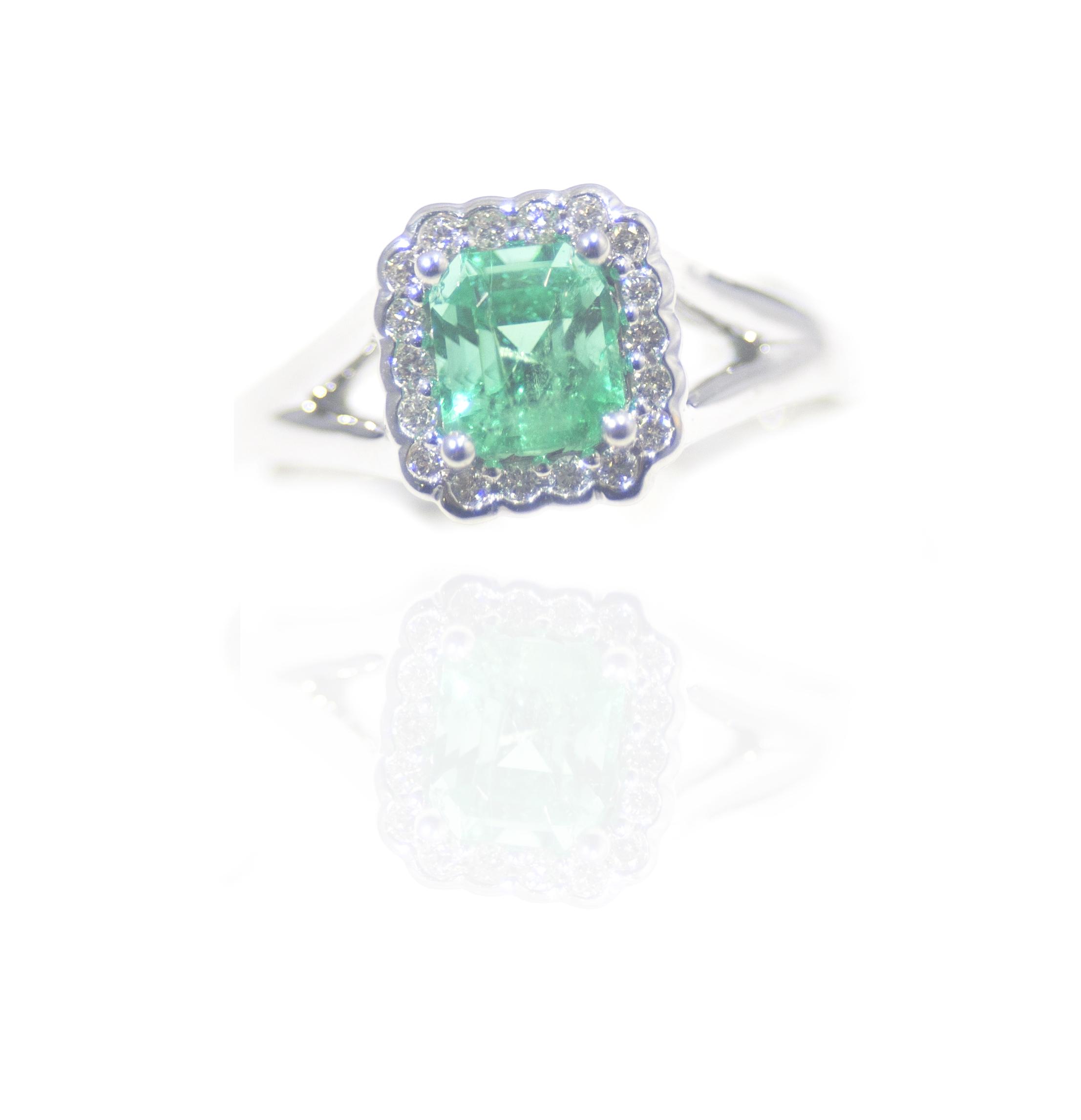 Elegant Emerald ring!