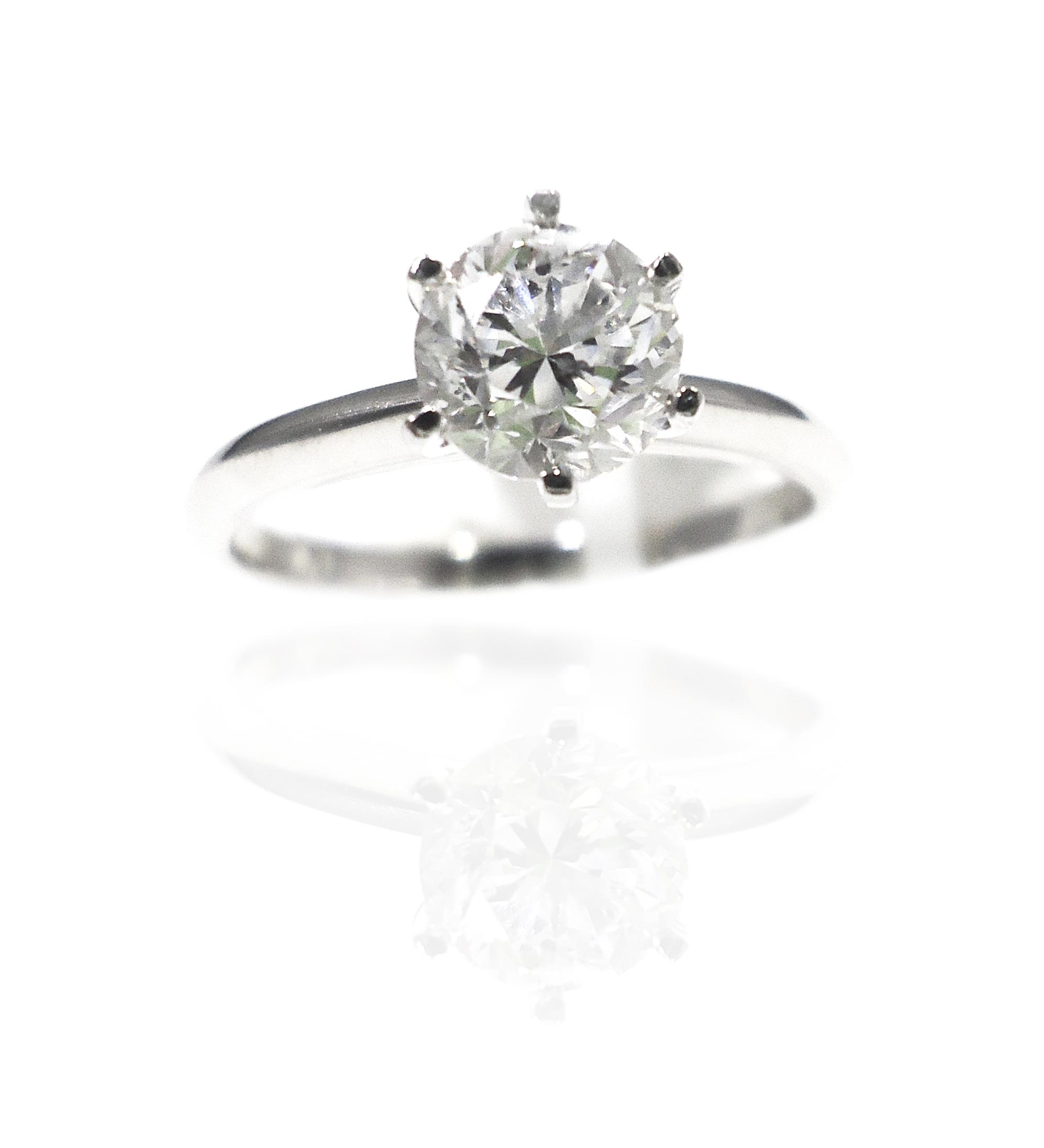 Classic diamond ring!