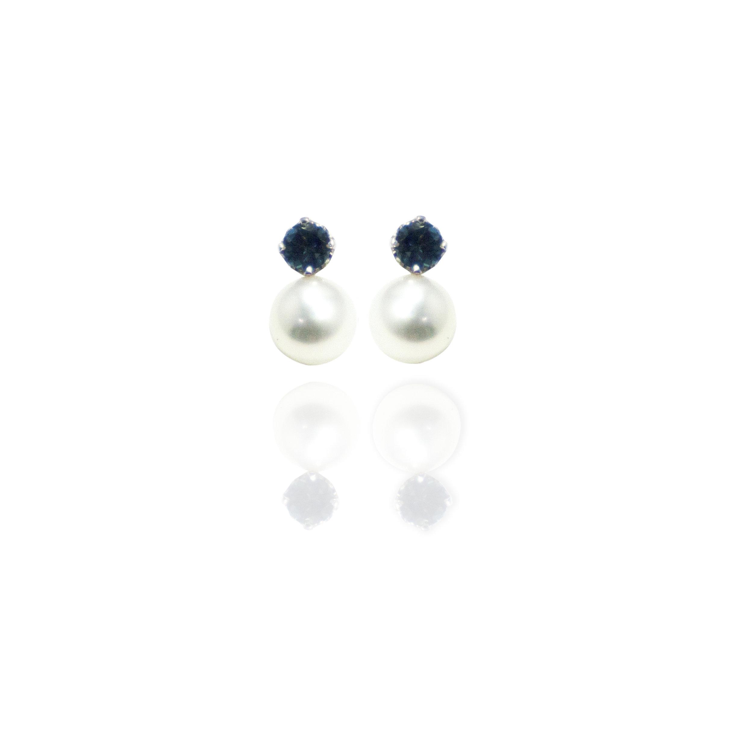 Cubic Zirconia Pearl drop earrings!