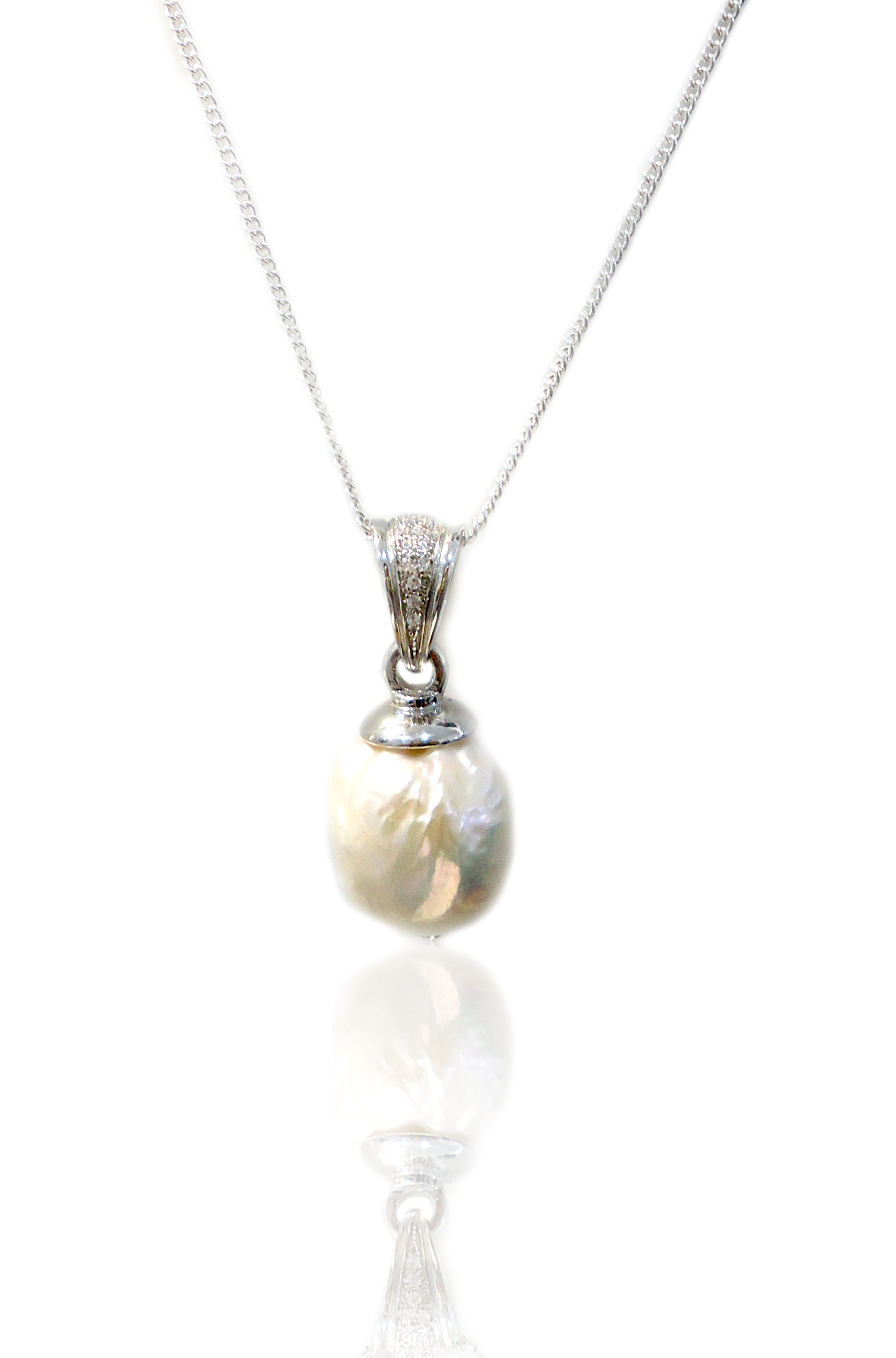 Elegant pearl & cubic zirconia necklace!
