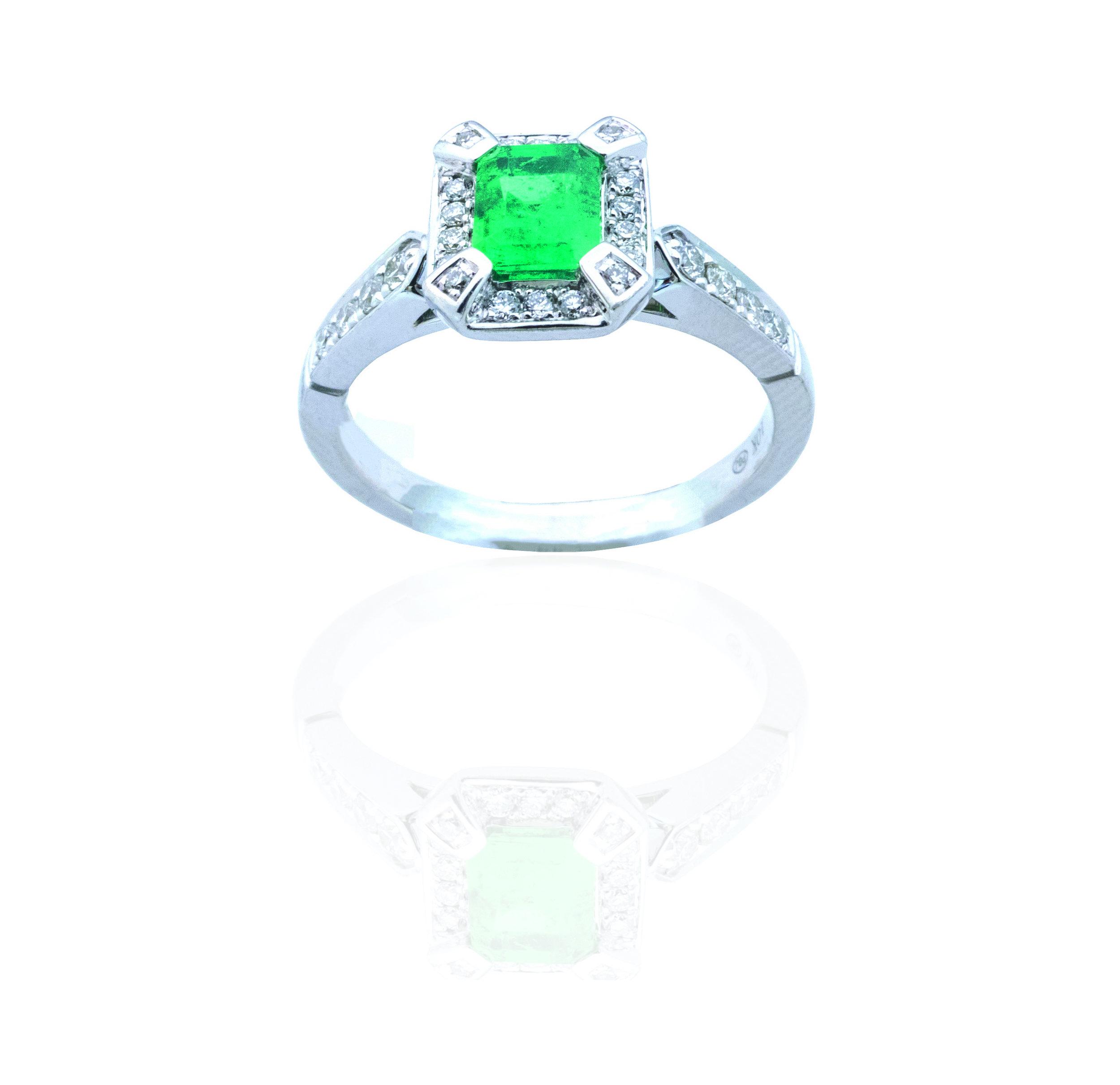 Columbian Emerald diamond ring!