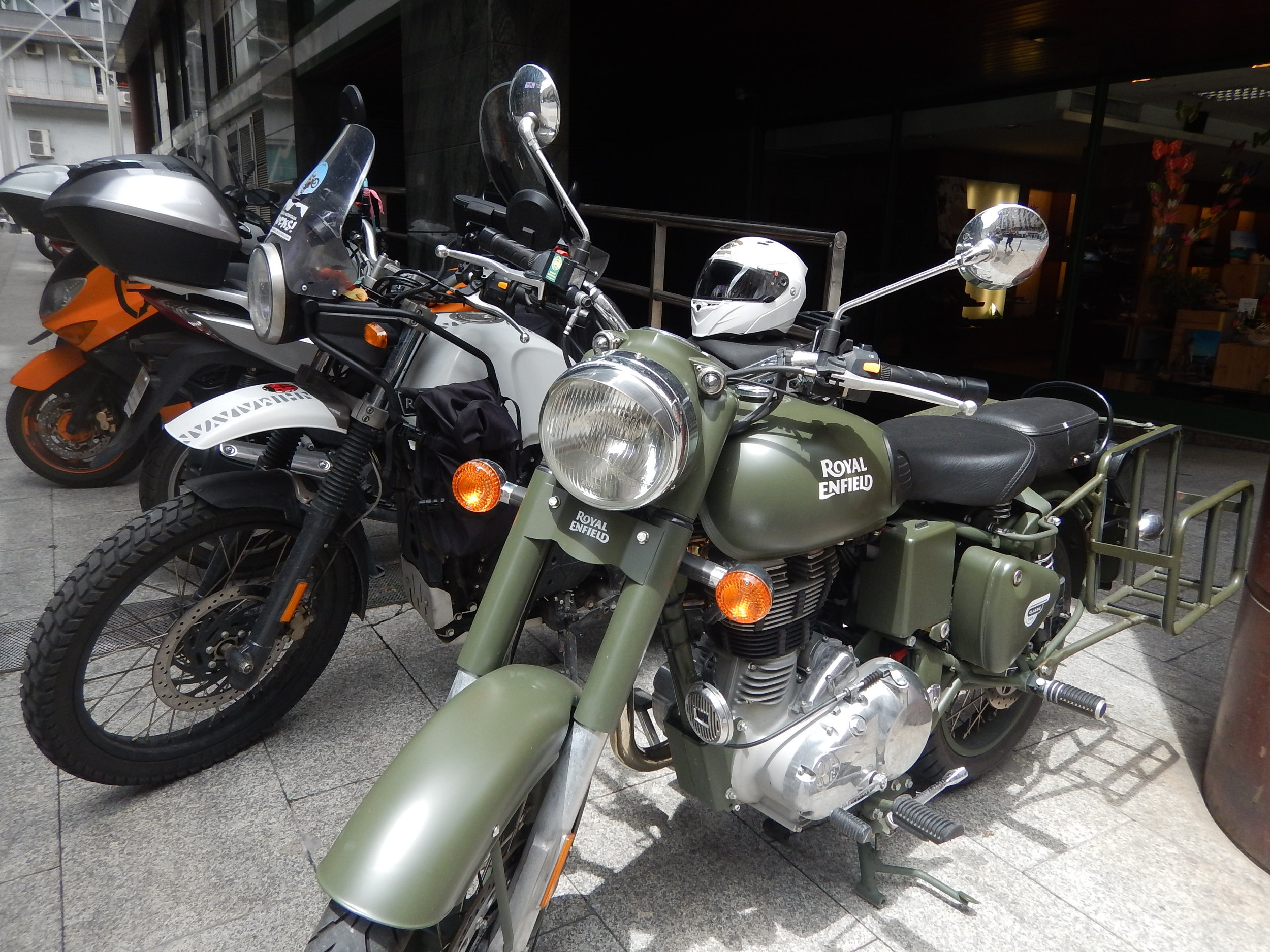 look at that! It's another Royal Enfield.