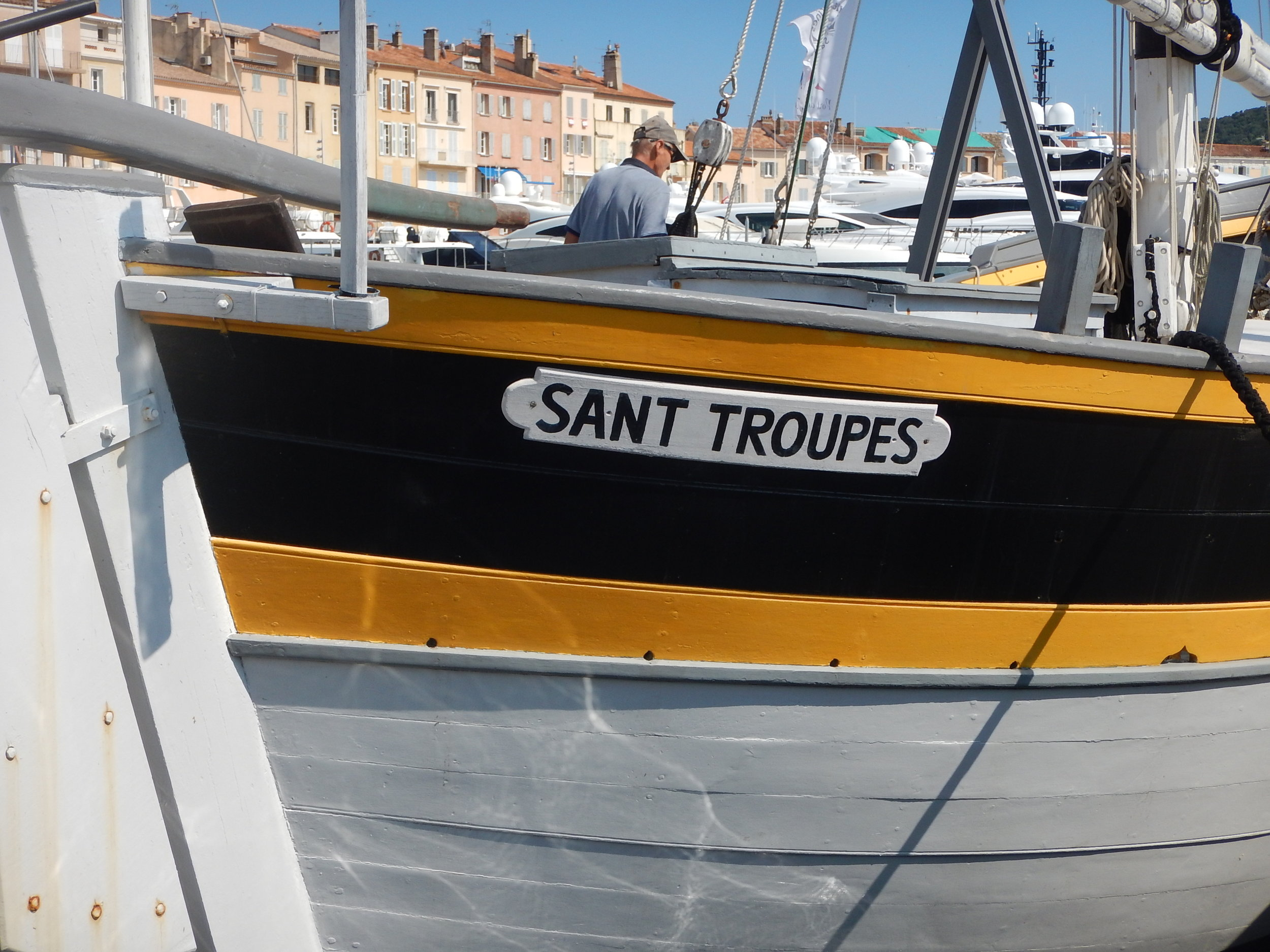 How fabulous is this. A Sant Troupes boat!!