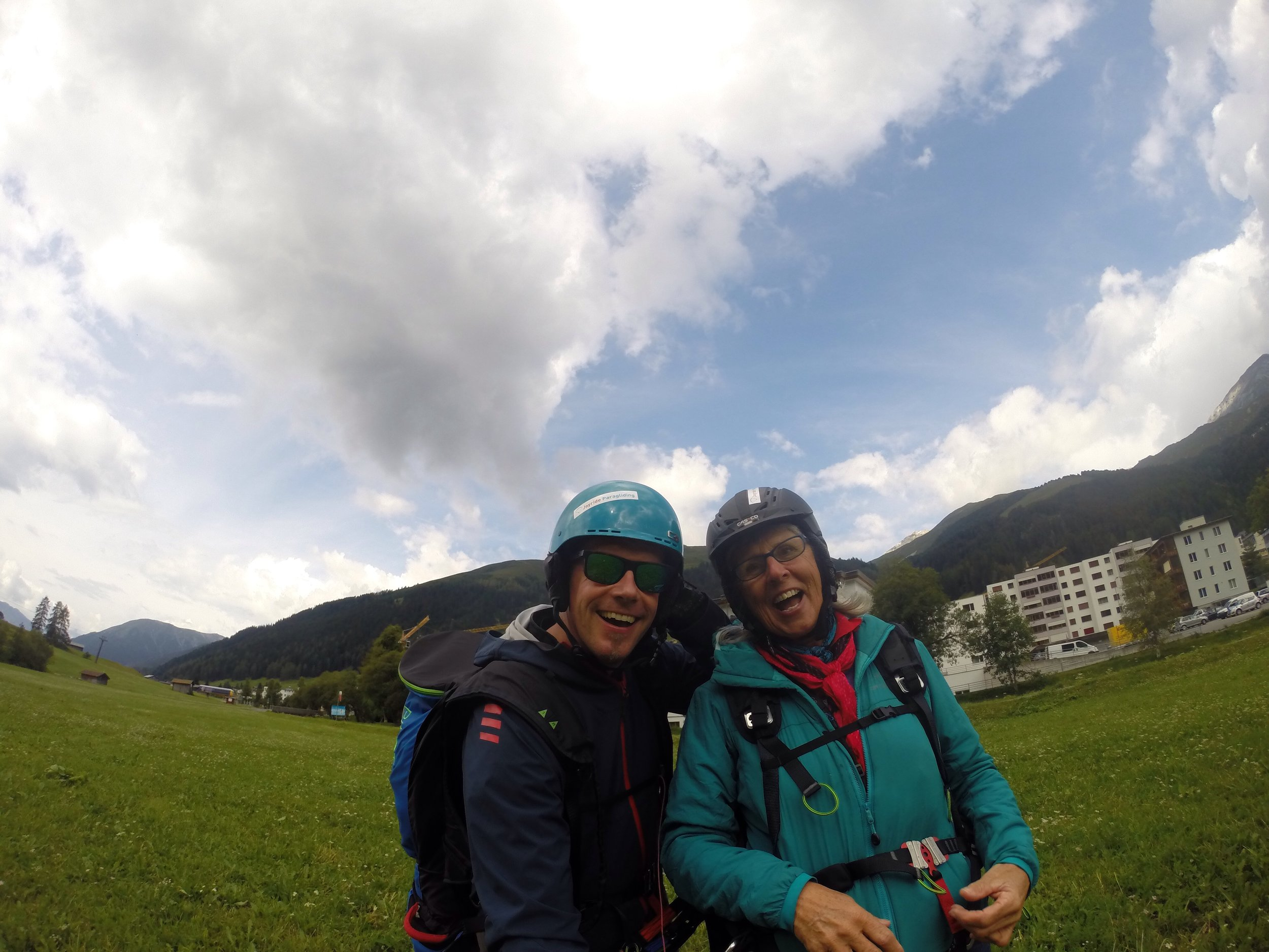 Safe landing after 50 minute flight from 3000m to just below 2000 m