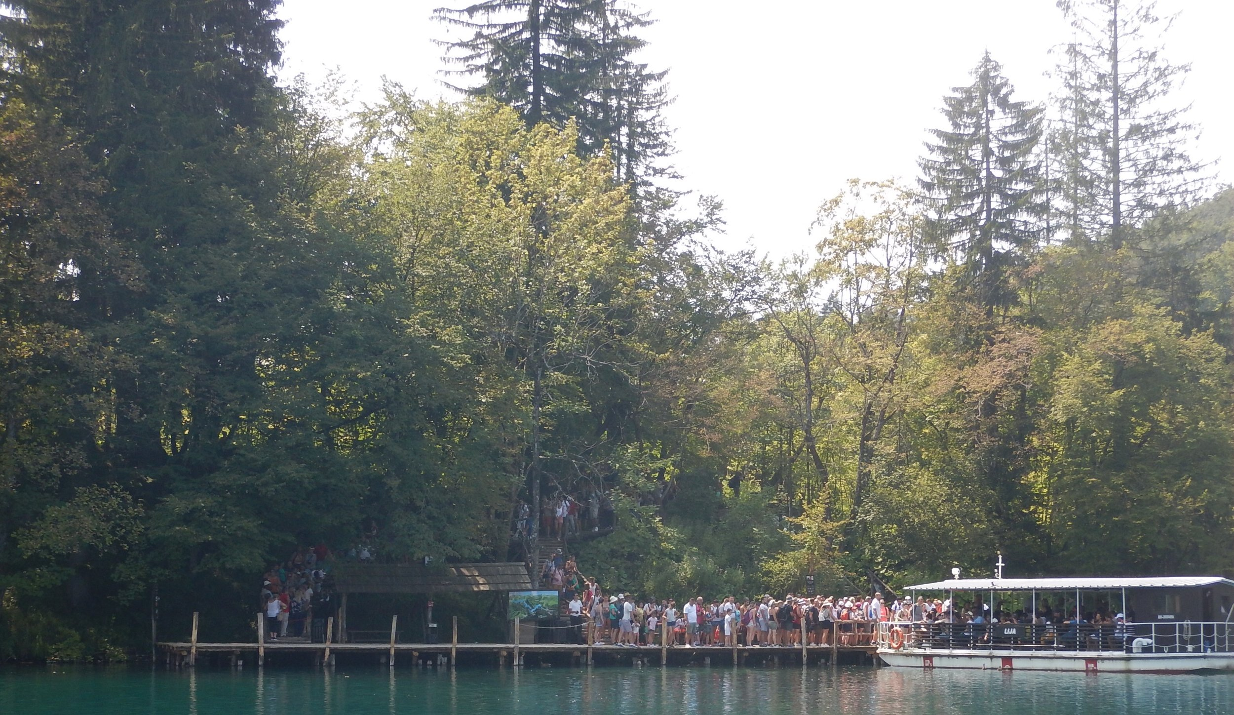The queue here has about 350 people waiting for a boat. Queues in the early mornings are not quite as long.