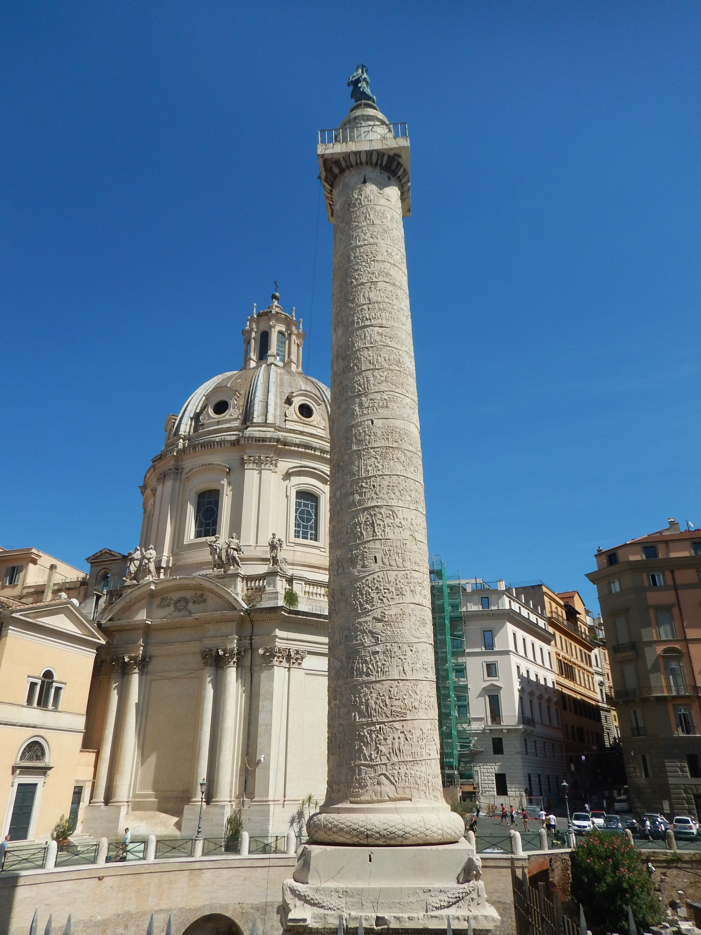 Colonna Traiana and Church of Madonna dI Loretto