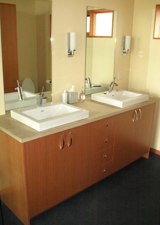 y-bathroom3.jpg
