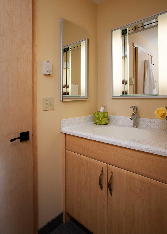 y-seagrassbathroom.jpg