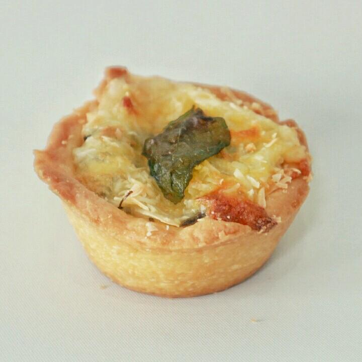 Mini Bechamel Pie - Rp. 83.000,- / 12pcs