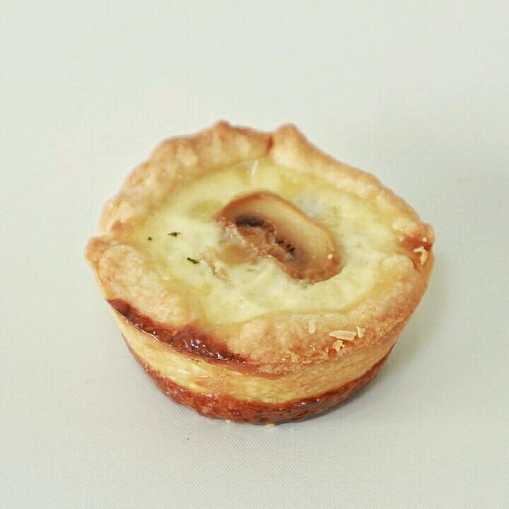 Mini Mushroom Pie - Rp. 83.000,- / 12pcs