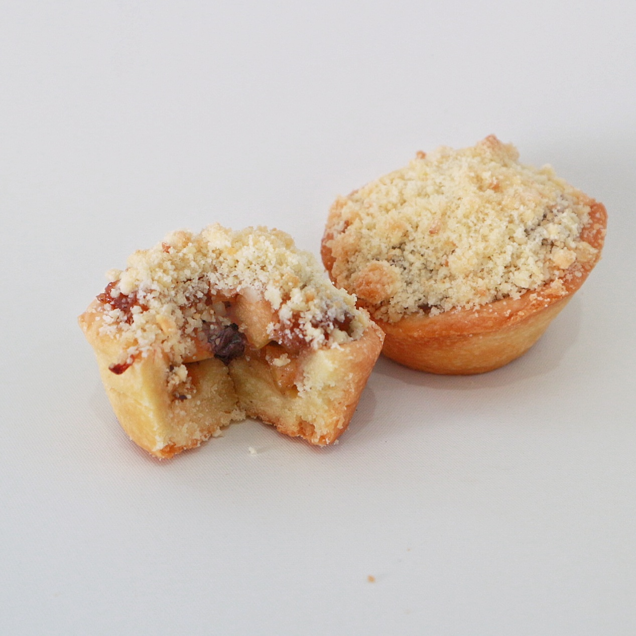 Mini Apple Crumble - Rp. 83.000,- / 12pcs