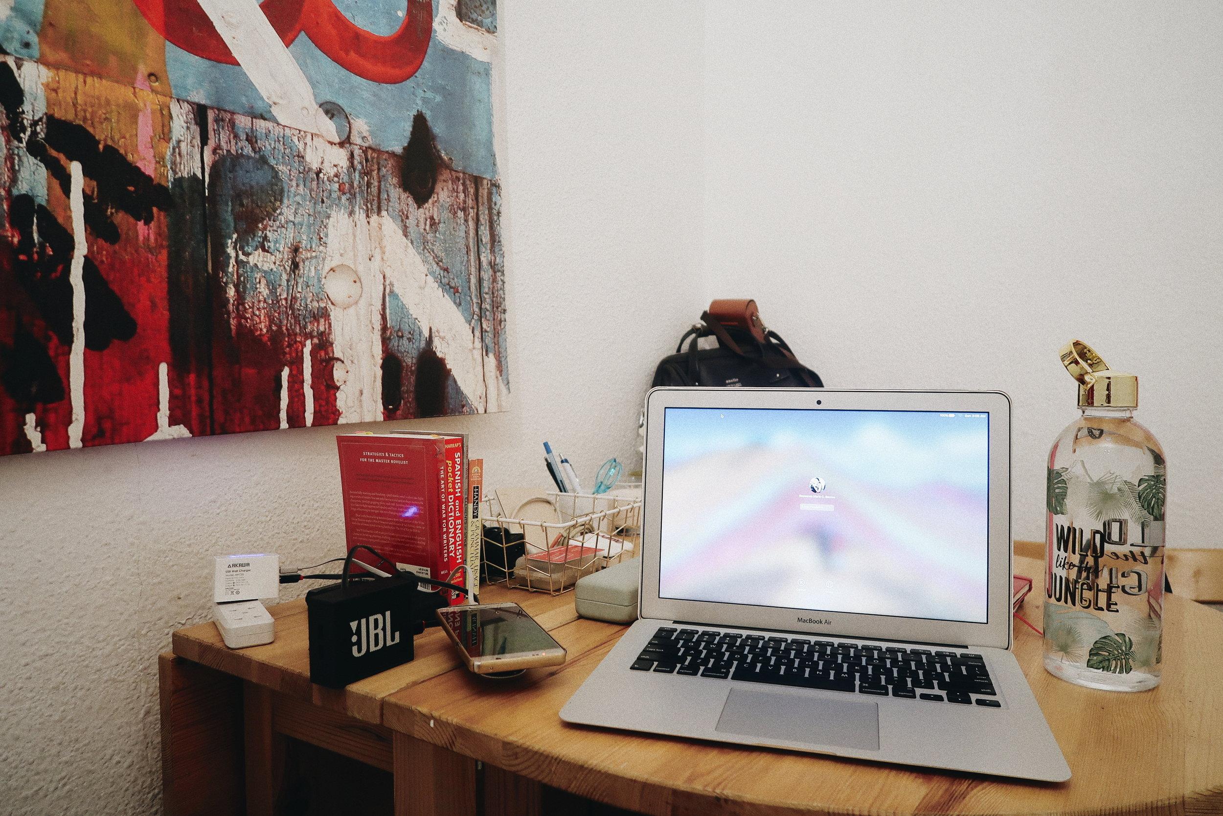I have a desk. I have a desk!