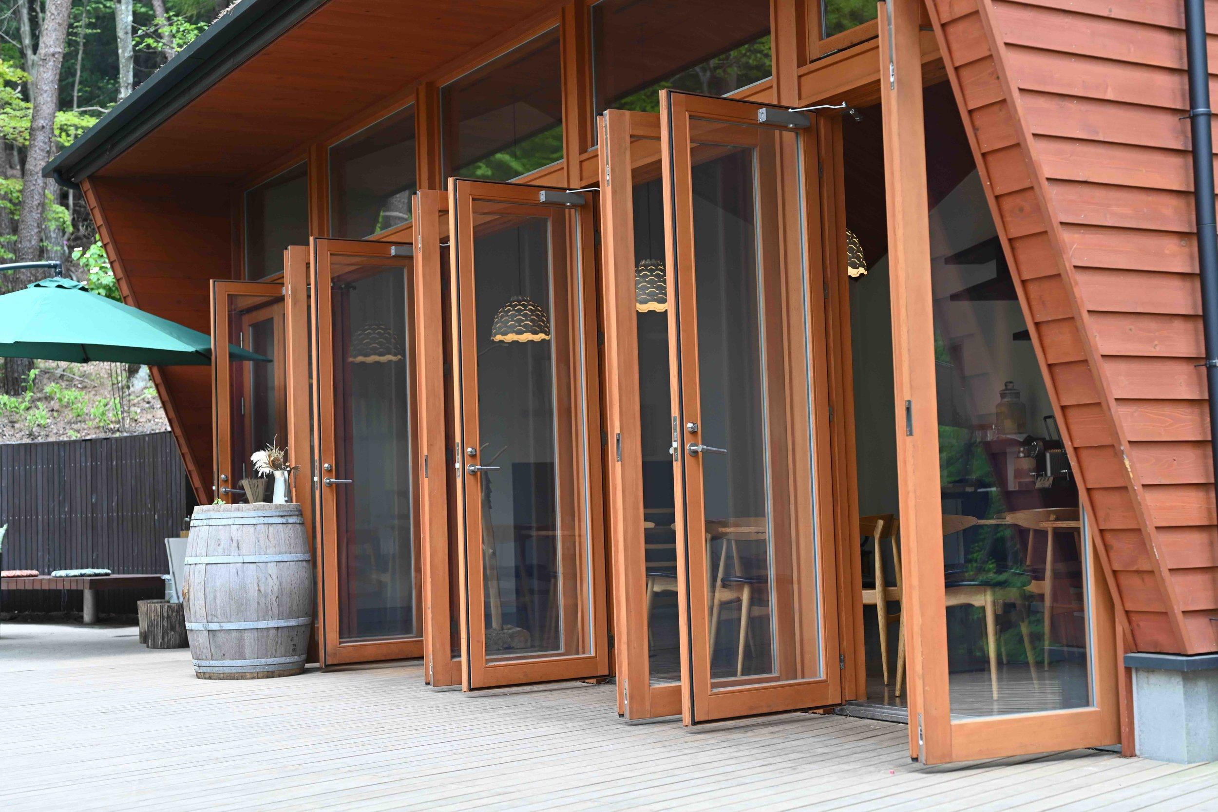 Cloud cafe exterior.jpg