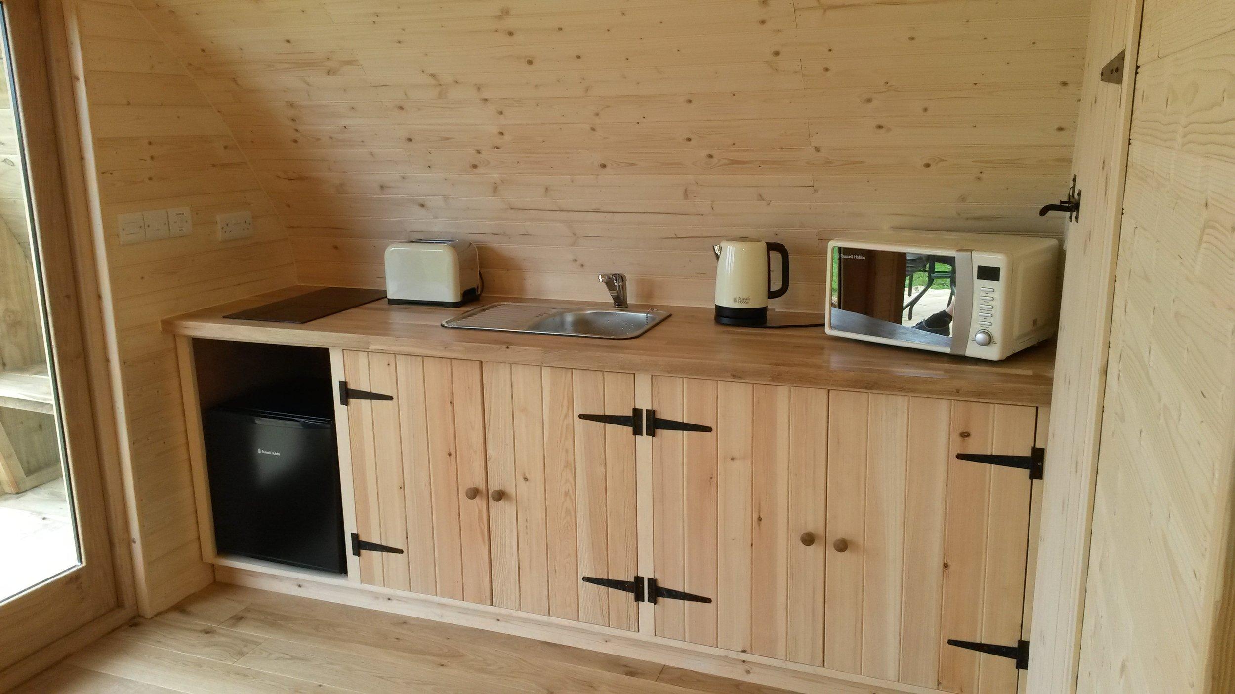 log pod with kitchen