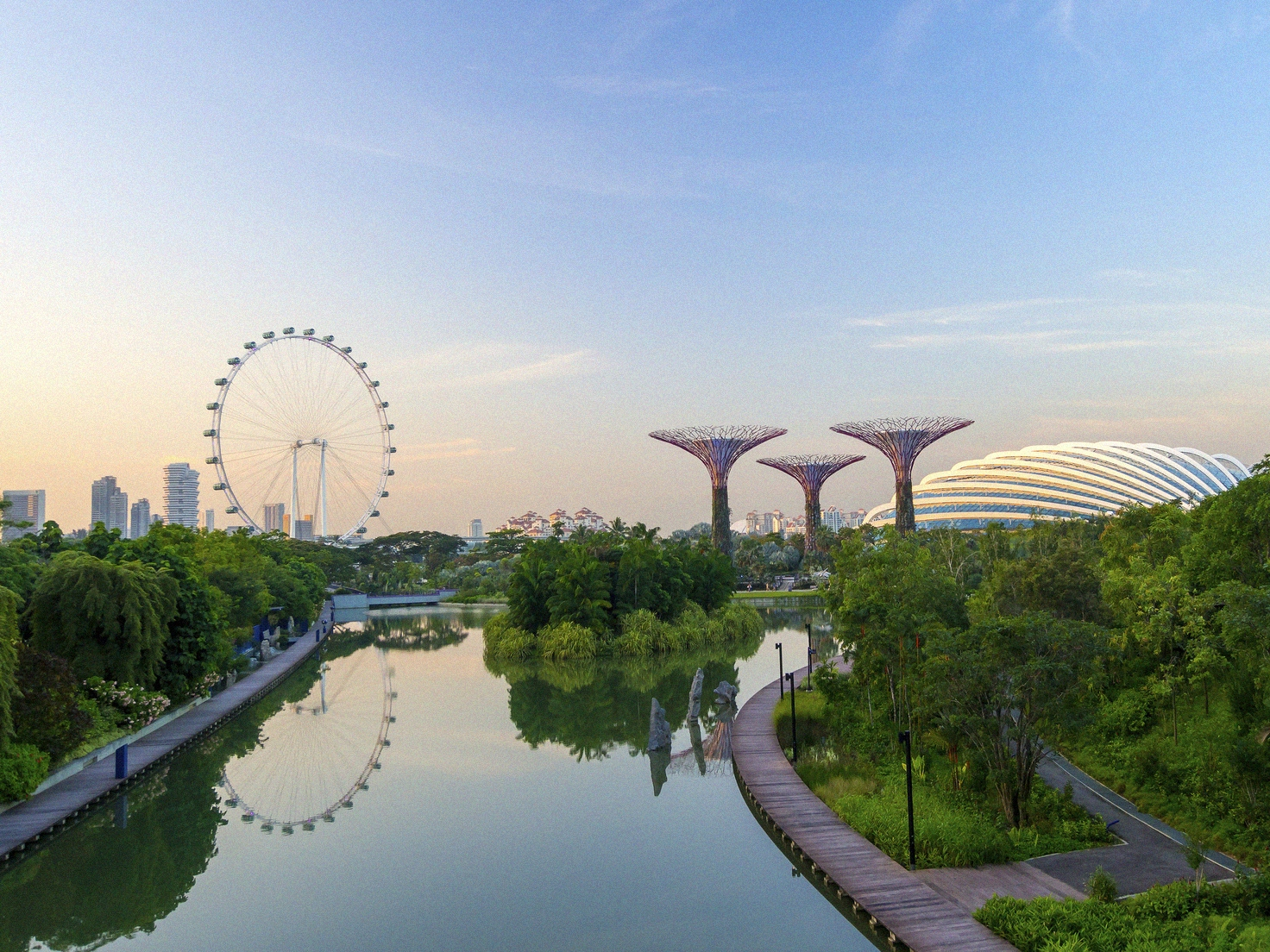 Singapore's Seven Must-See's - by Melissa Moon for InterNations