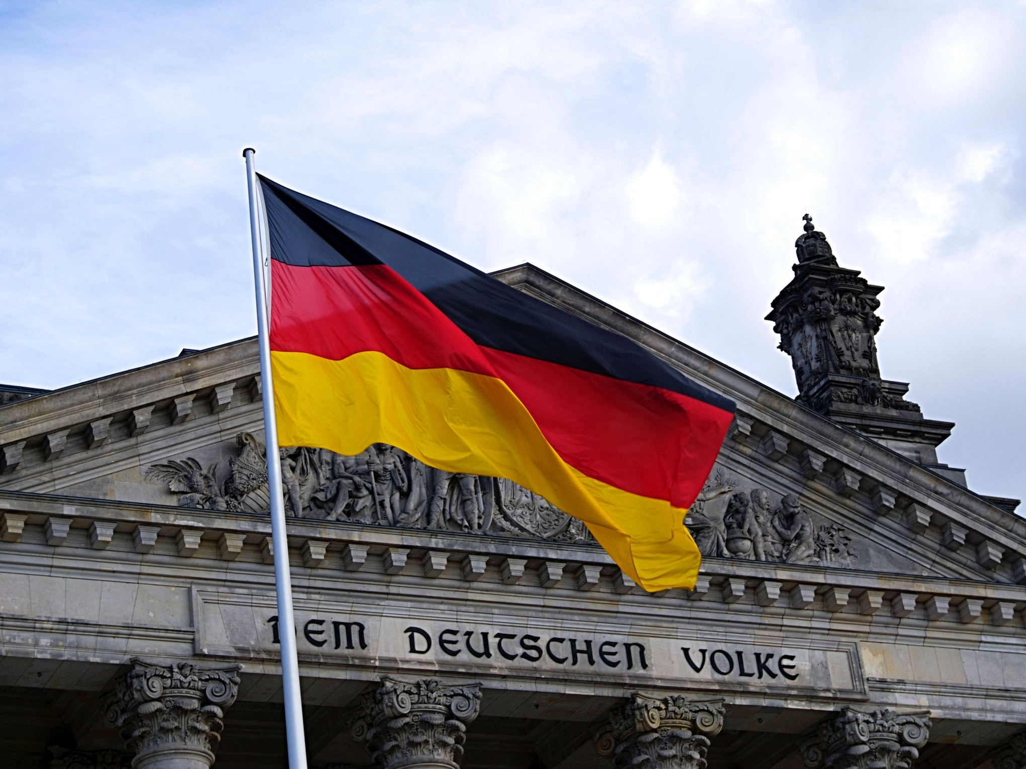 Germans Abroad Are Successful Managers & Unexpected Romantics - by Melissa Moon for InterNations