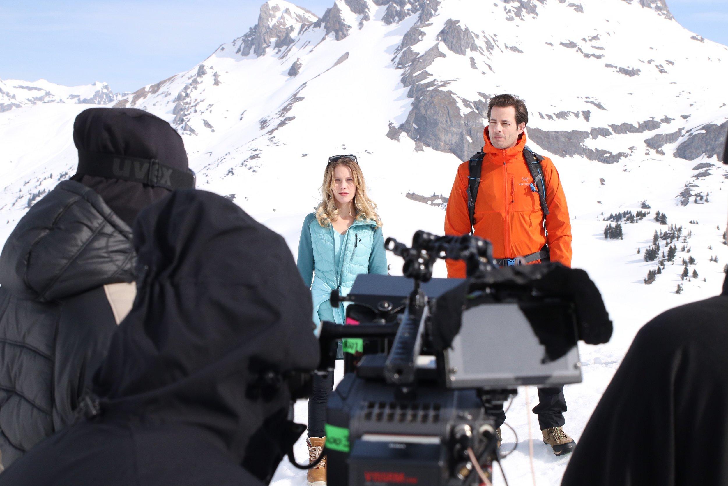"Am ""Selfiamania"" Set; Regie: Elly Senger-Weiss"