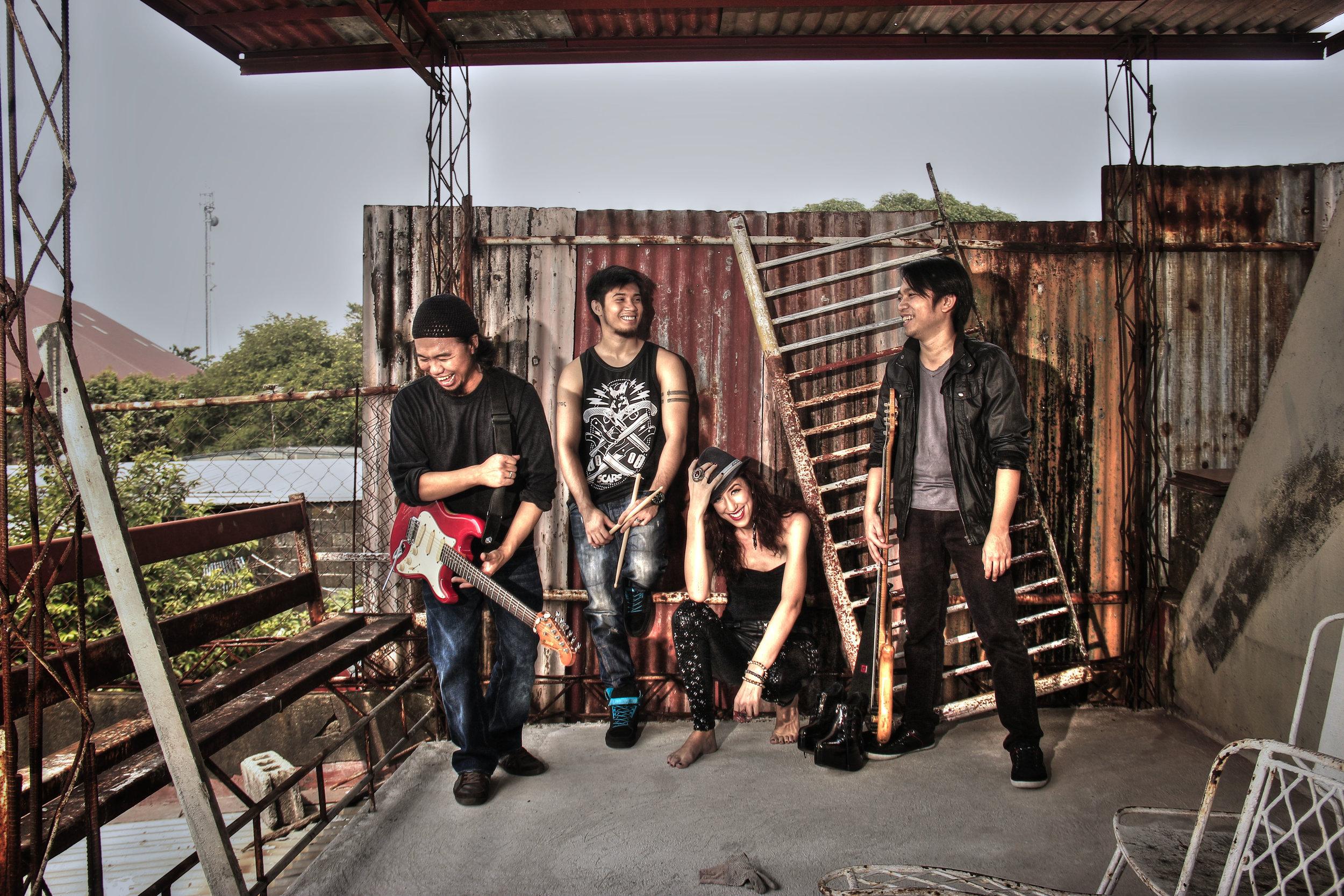 Band 1b.jpg