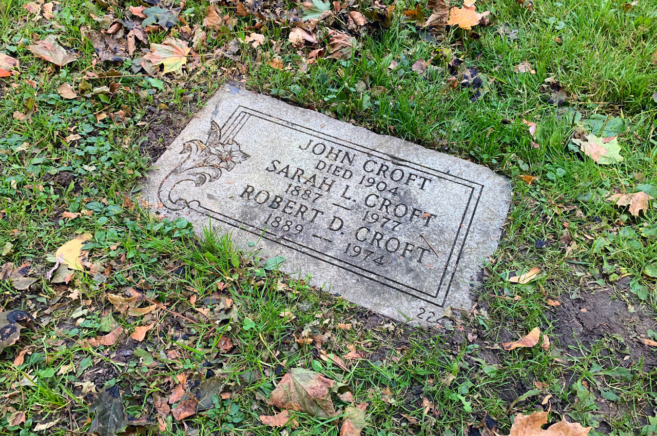 The tour group visited the final resting place of John Croft at Mount Pleasant Cemetery on Oct. 19.(CanCulture/Annemarie Cutruzzola)