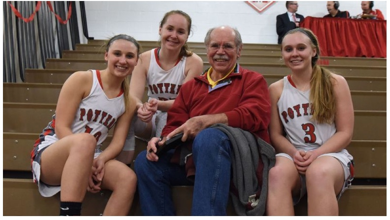 Dave Kindred with members of the Morton High School Lady Potters basketball team. (ESPN)